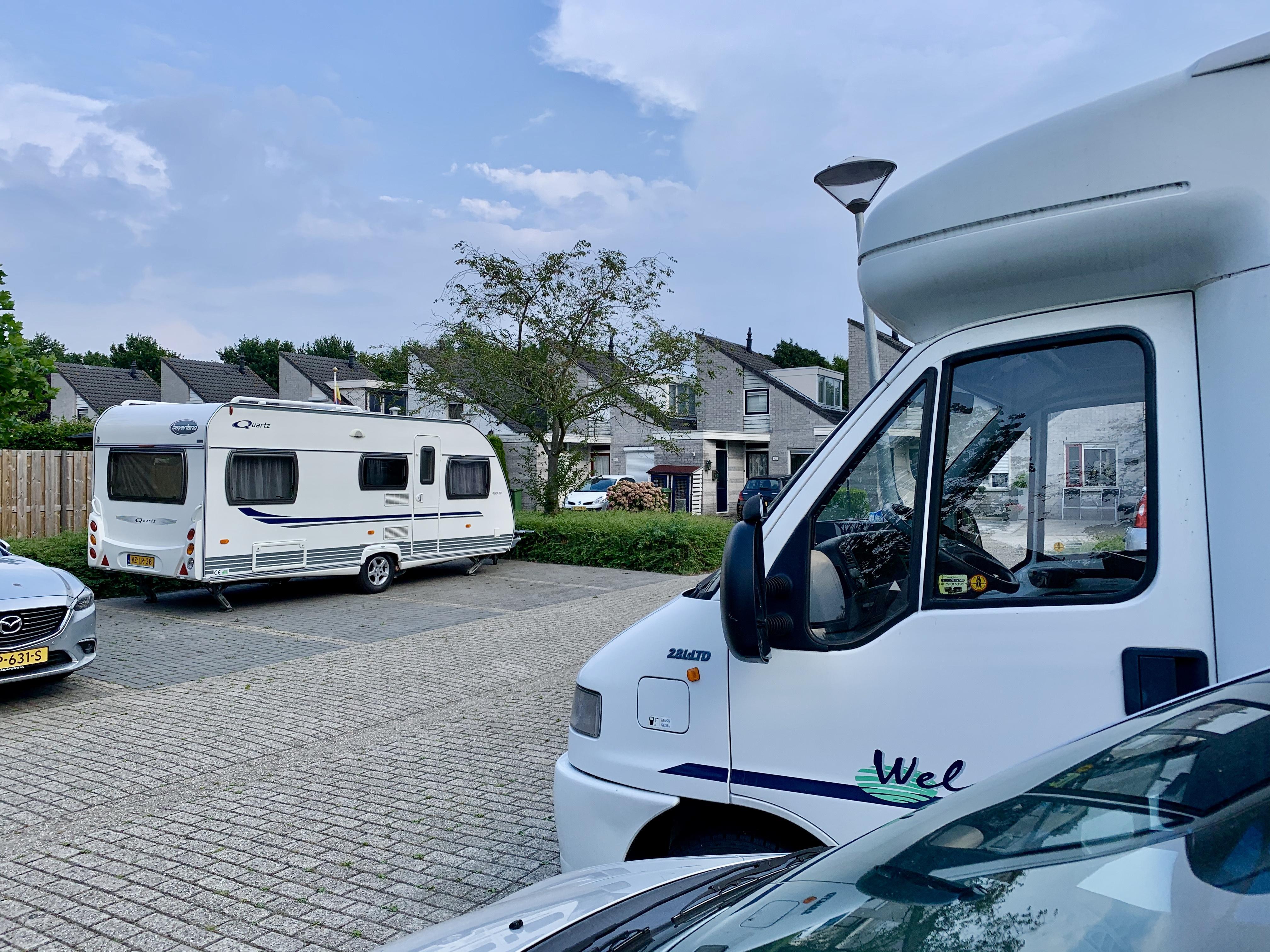 Stelling: gun caravans hun plek op straat
