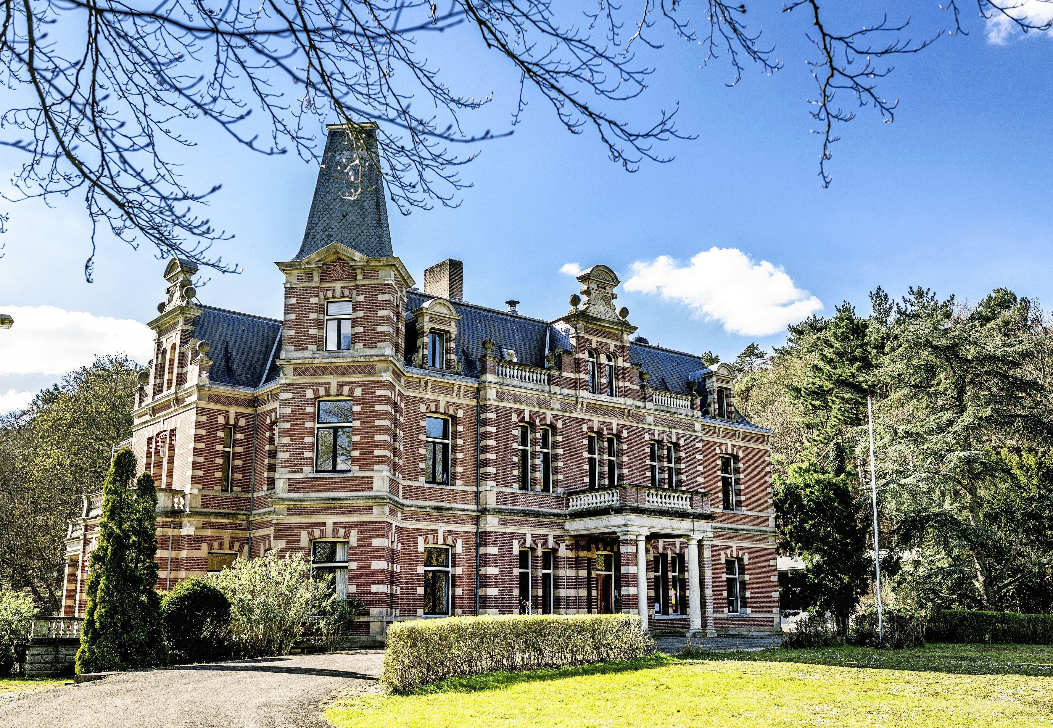 Landgoederen in Bloemendaal: mag je die splitsen voor dubbele bewoning? 'Het koetshuis op Elswout staat al leeg sinds het jaar kruik. Daar kan ook een gezin wonen'