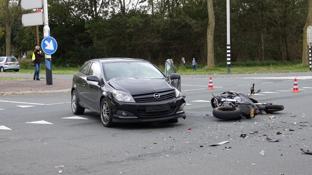 Motorrijder ernstig gewond bij aanrijding met auto in Schagen