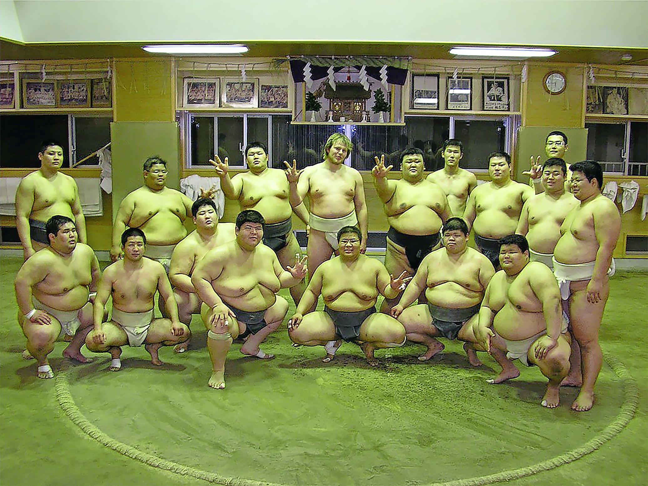 Drie maanden in een Japanse sumoschool, 'Ze zullen me een aardige gozer hebben gevonden, maar een matige worstelaar'
