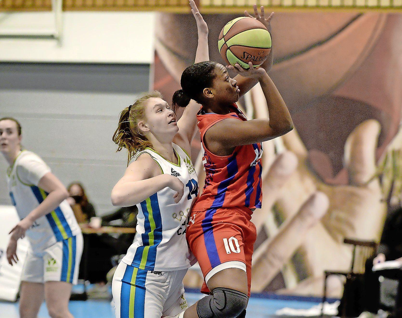 Basketbalsters Lions moeten snel wonden likken na opgelopen schade in Katwijk