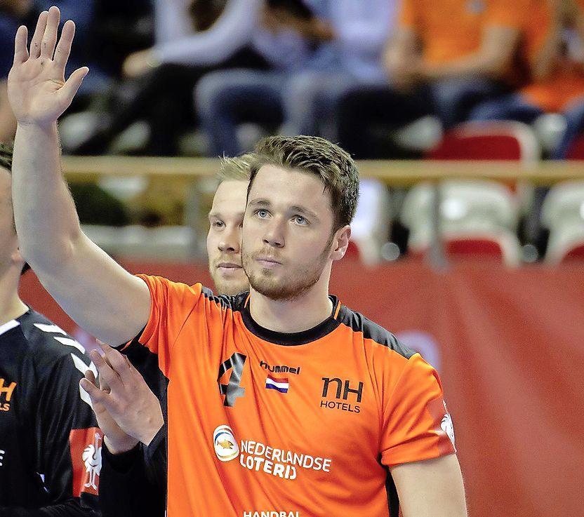 Volendam strikt ook handbalinternational Evert Kooijman; tweede aanwinst voor nieuwe seizoen na Zweed Pavicevic