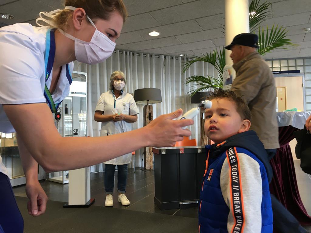 Dijklander Ziekenhuis gaat bij ingang patiënten en bezoekers testen op corona en richt wachtruimtes anders in