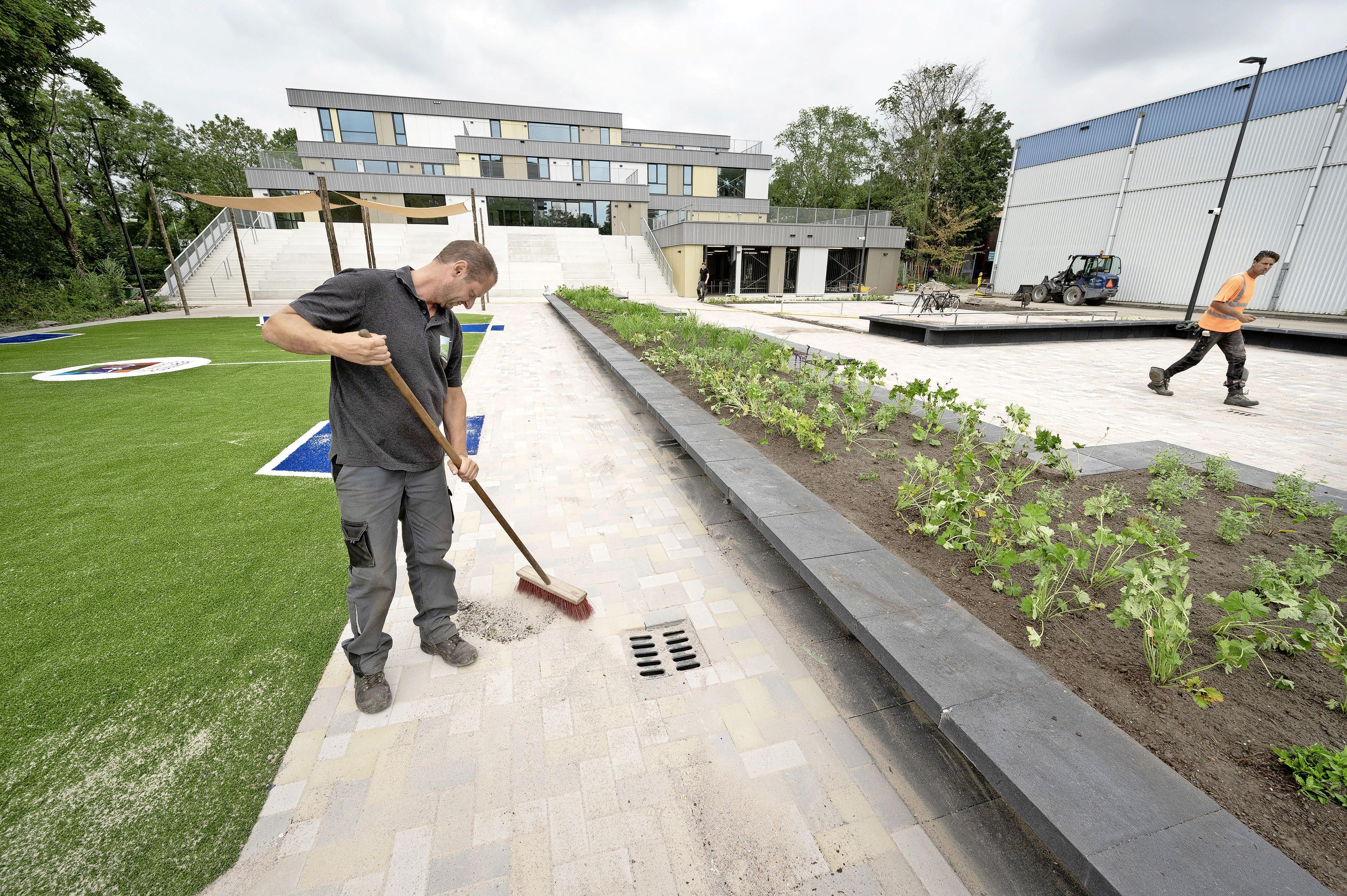 Nieuw Leonardo College in Leiden is op tijd klaar voor het nieuwe schooljaar