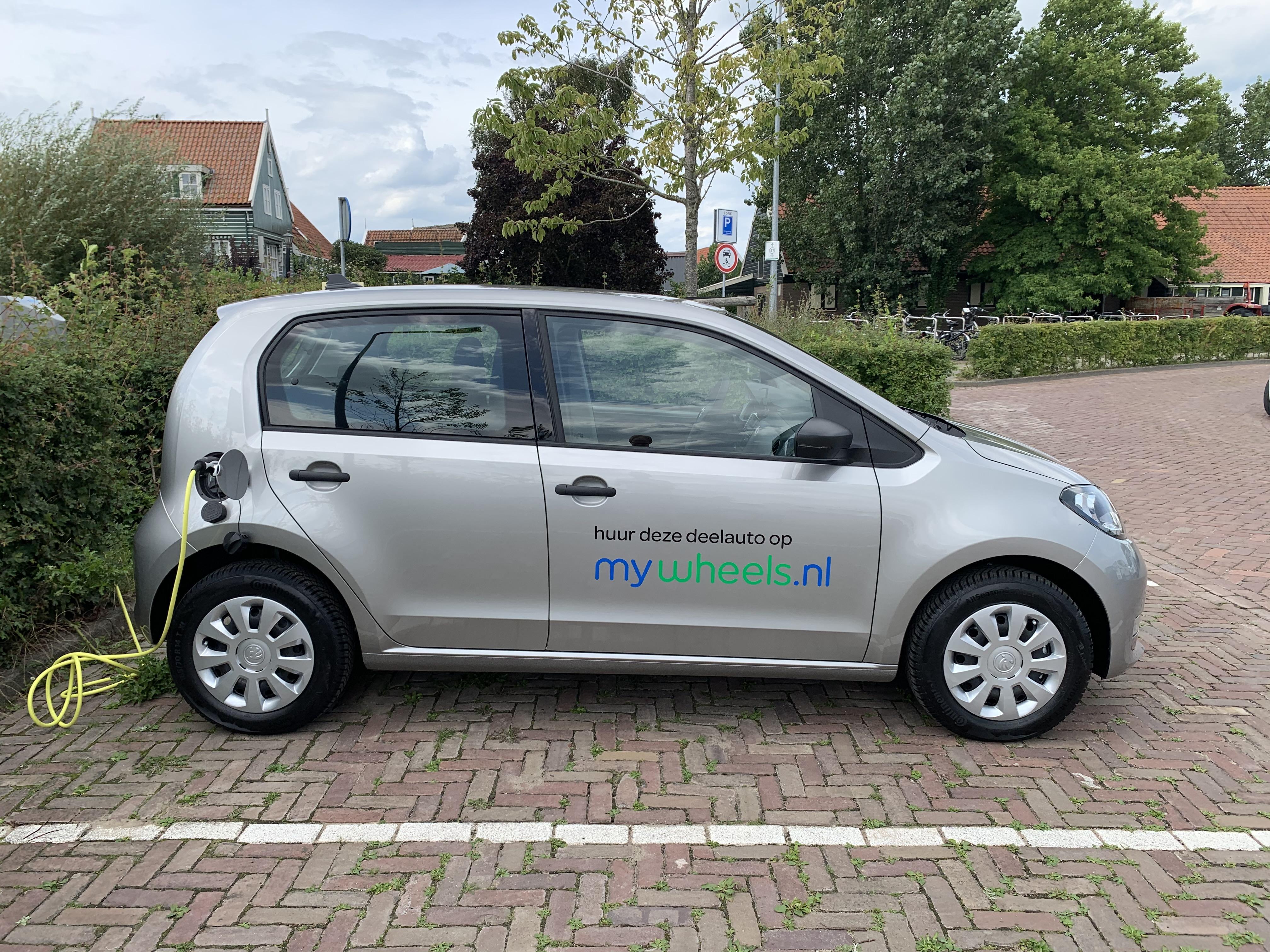 Vier extra elektrische deelauto's in Waterland; project van Duurzaam Waterland is een succes