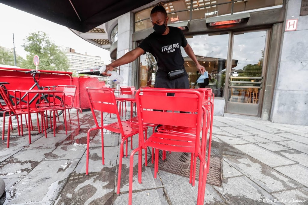 Brussel doet cafés en bars voor maand op slot