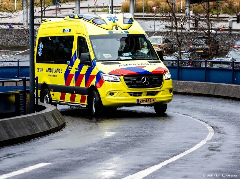 Twee mensen naar ziekenhuis na brand snackbar Den Haag