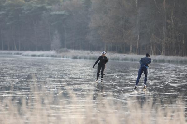 Eerste meters op natuurijs Pluismeer