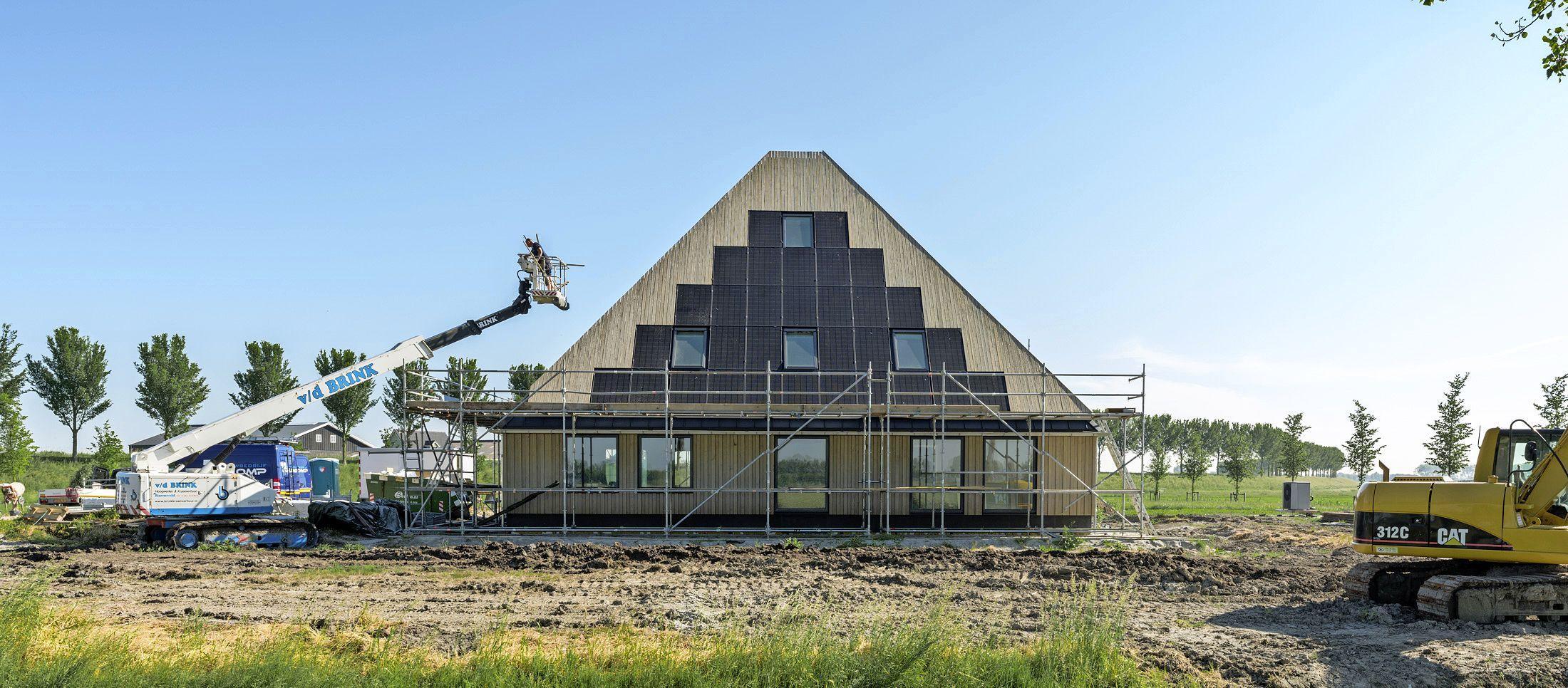 Energieneutrale stolpboerderij van hout, in Noordbeemster heeft Nieuw Nederland de primeur: 'Waterland wil houtbouwland worden'