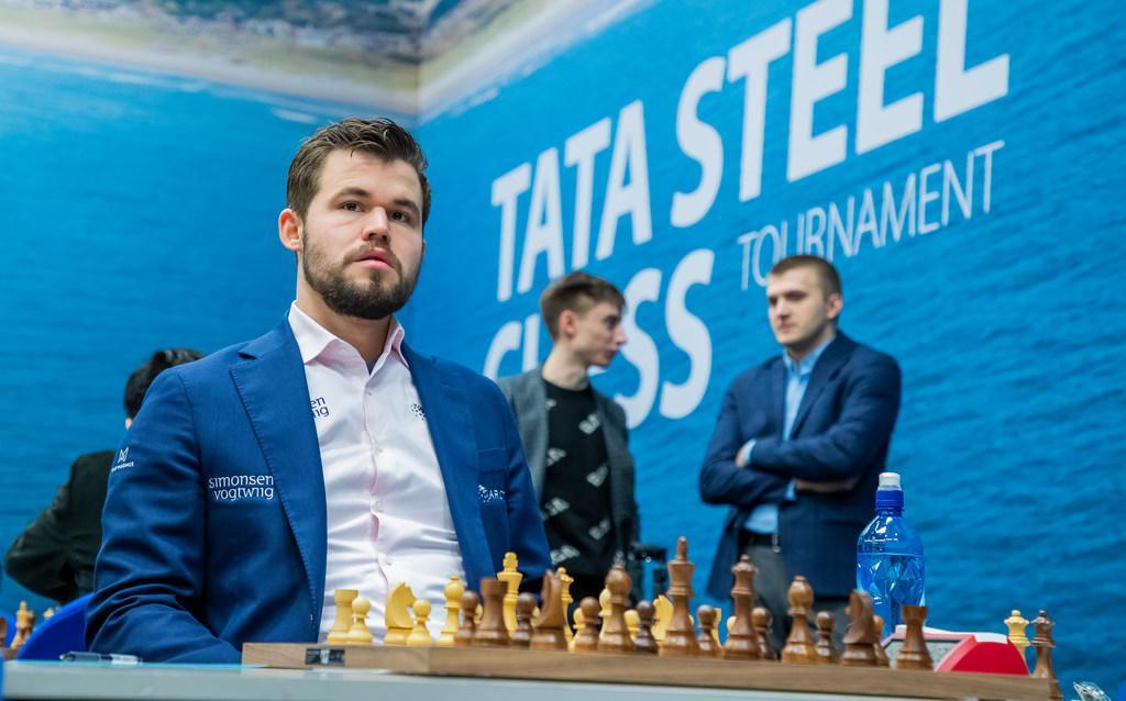 Wereldkampioen Magnus Carlsen voor zeventiende keer naar Tata Steel Chess, daarnaast vier andere schakers uit top tien van de wereld naar 'coronaproof' toernooi in Wijk aan Zee.