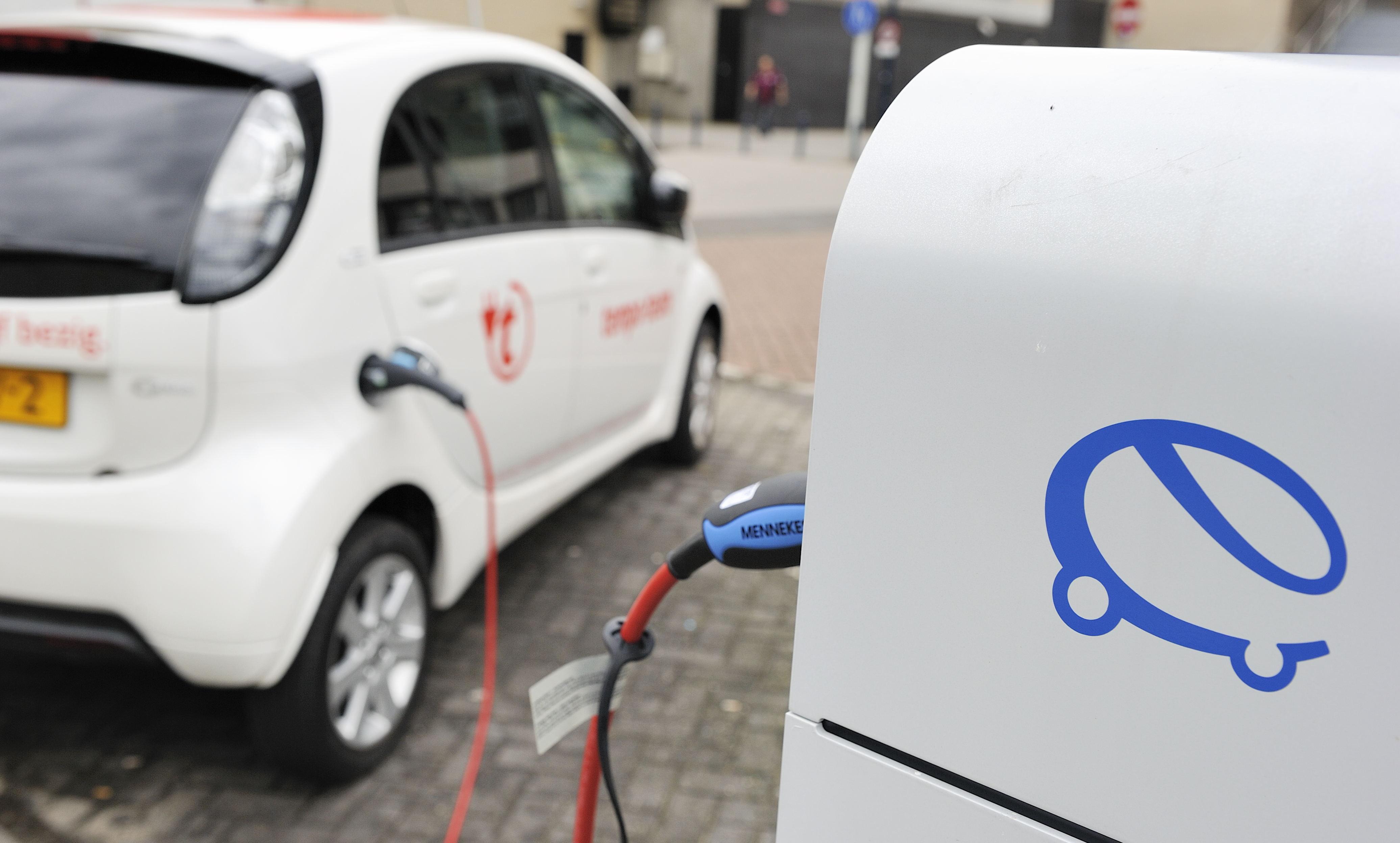 Elektrische Auto Zorgt Voor Meer Files Binnenland Telegraaf Nl
