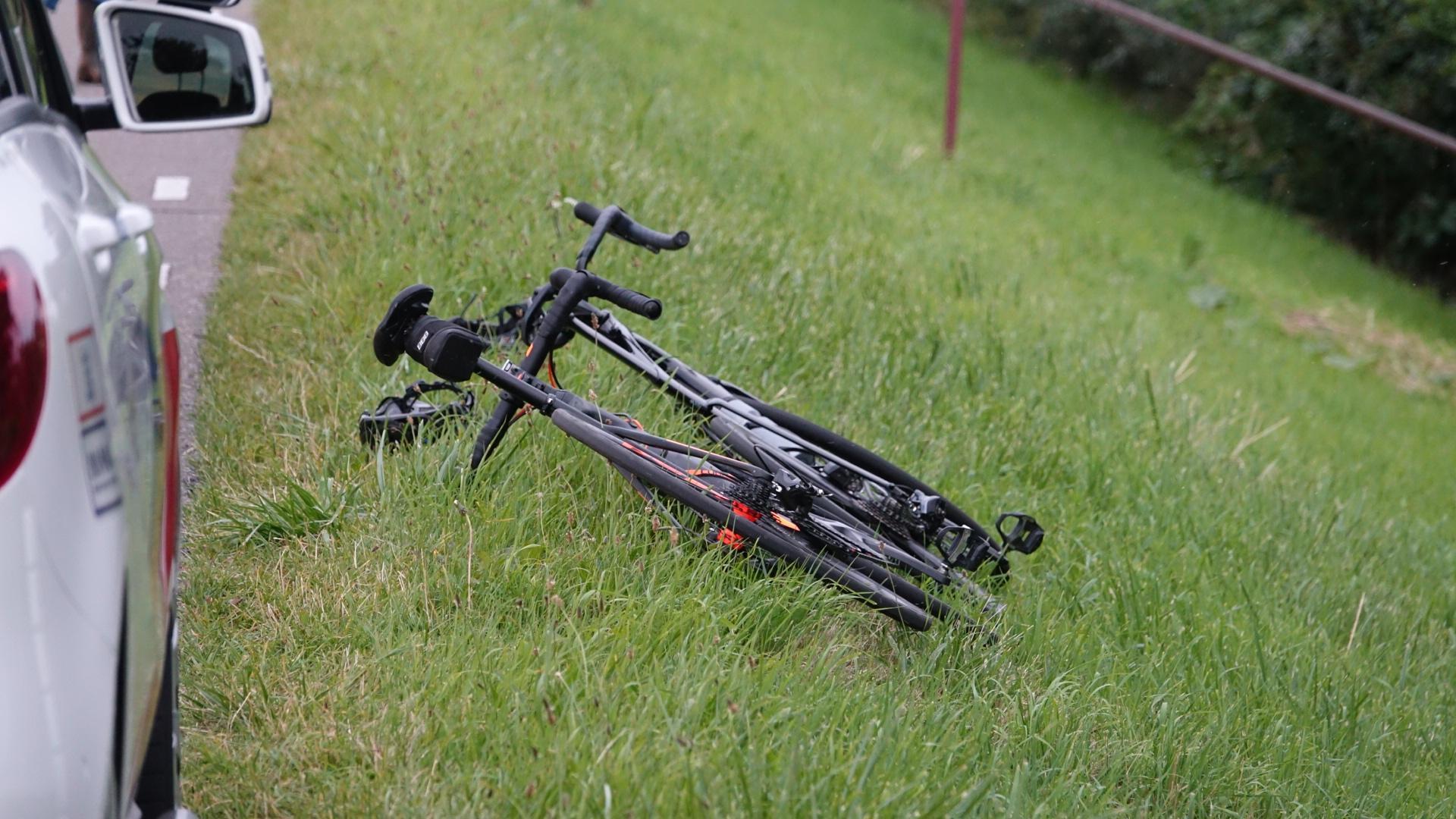 Automobilist (21) die wielrenner op dijk aanreed, heeft heel andere lezing [update]