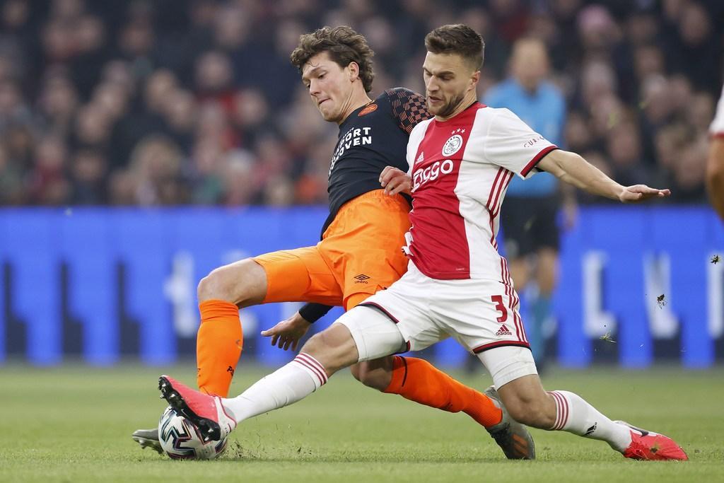 Contract van Veltman loopt volgend jaar af, maar Ajax-verdediger zet transfer even uit zijn hoofd
