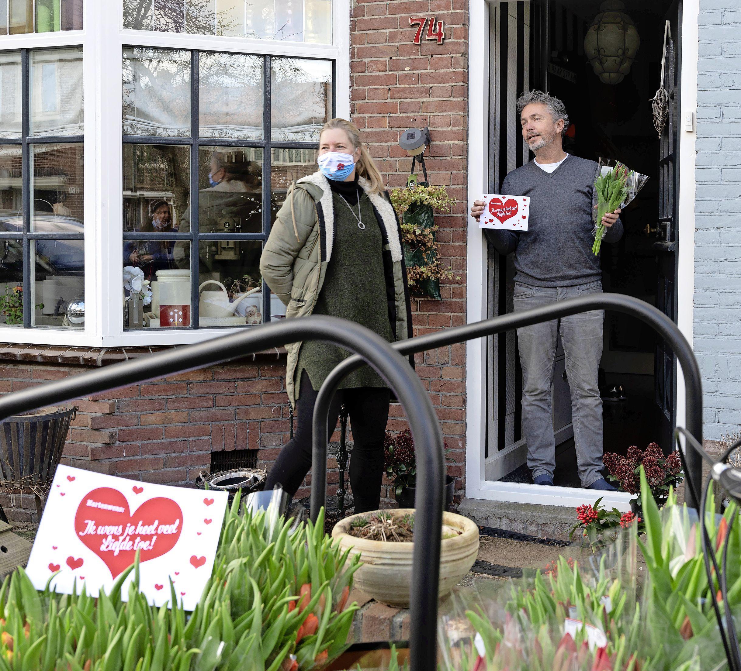 De Haarlemse Jorien laat haar droom in vervulling gaan. Hoe? Ze brengt tulpen langs bij 110 buren