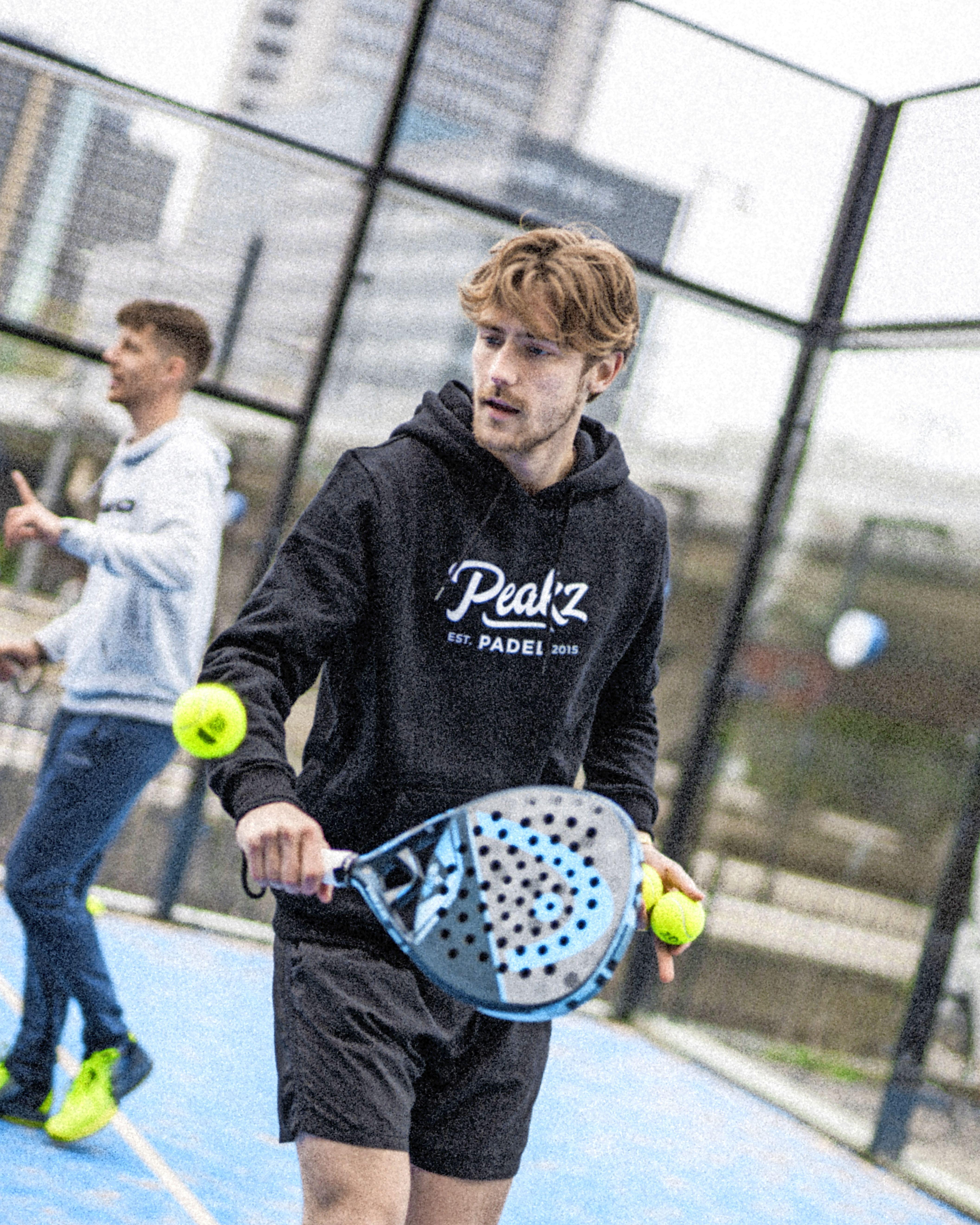 Peakz Padel opent nieuwe vestiging in Waarderpolder. 'We willen alle Haarlemmers de baan op krijgen'