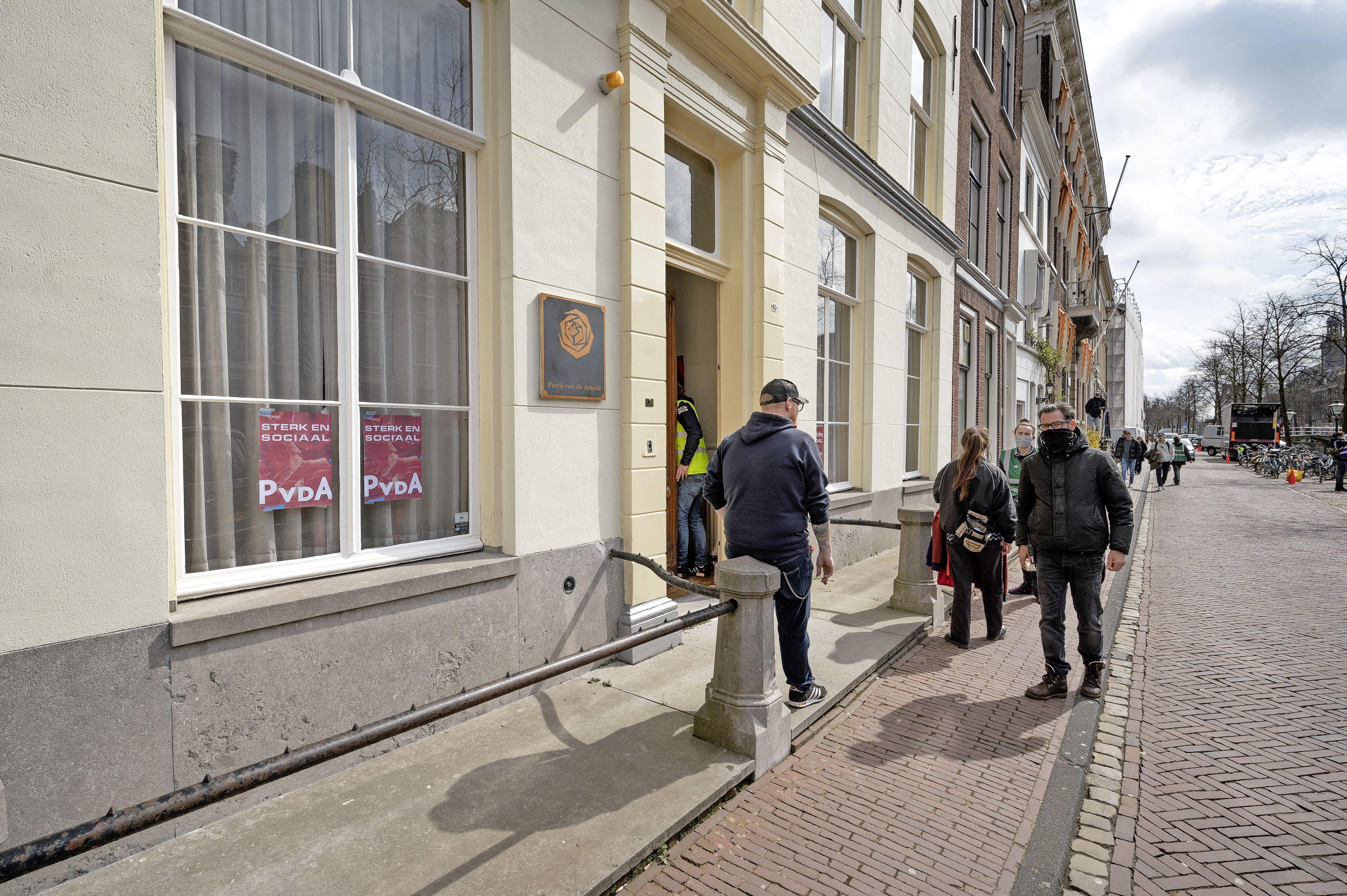 Opnames op het Rapenburg voor serie over Pim Fortuyn