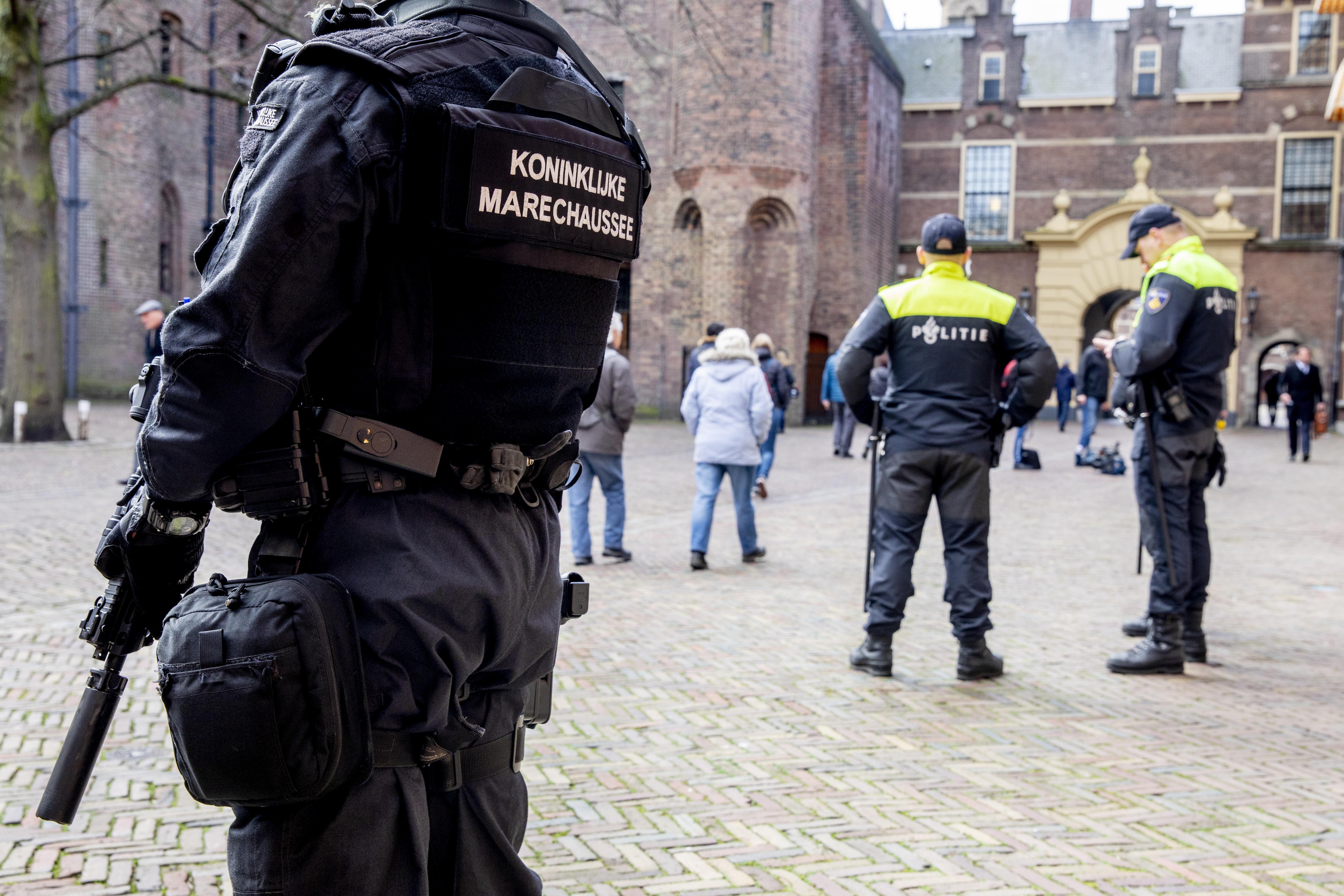 Op tandvlees lopende agent wordt opgepept voor nationale lockdown