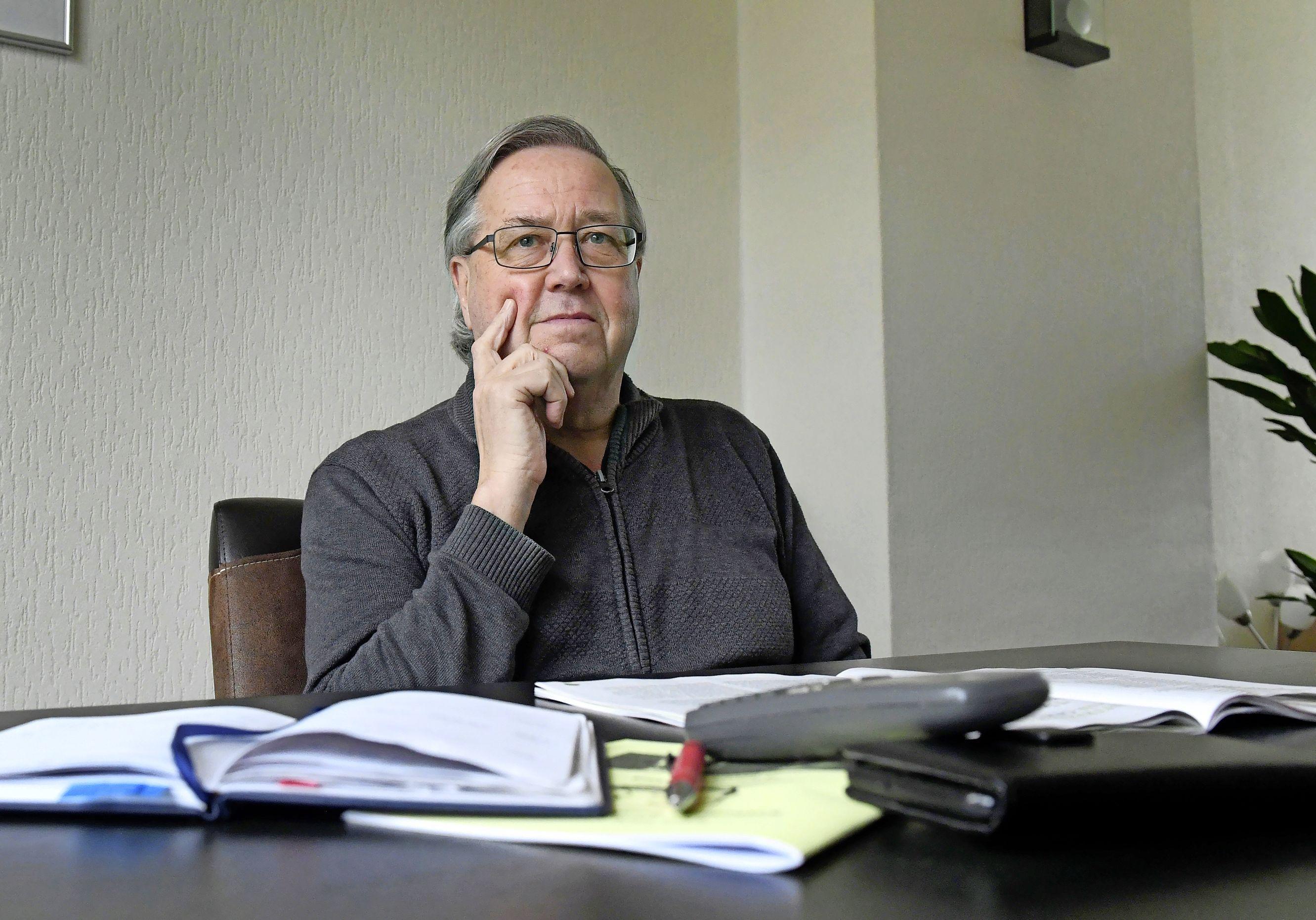 Als je dood bent, moet je in Den Helder over het lopende jaar gewoon afvalstoffenheffing betalen. 'Dat is diefstal', vindt weduwnaar Wout Goudappel