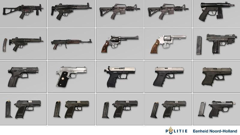 Verdachte in zaak gigantische wapenvondst mag proces in vrijheid afwachten. Machinegeweren en handgranaten in Hoofddorpse garagebox 'voor liquidatie of aanslag'