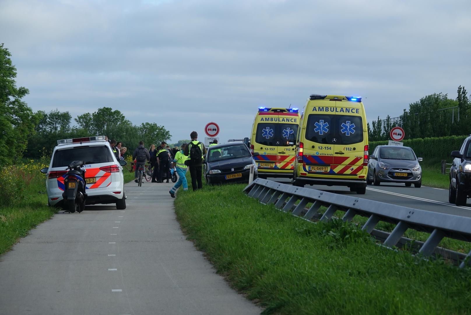 Botsing tussen fietser en scooter in Uitgeest zorgt voor veel oponthoud op de N203