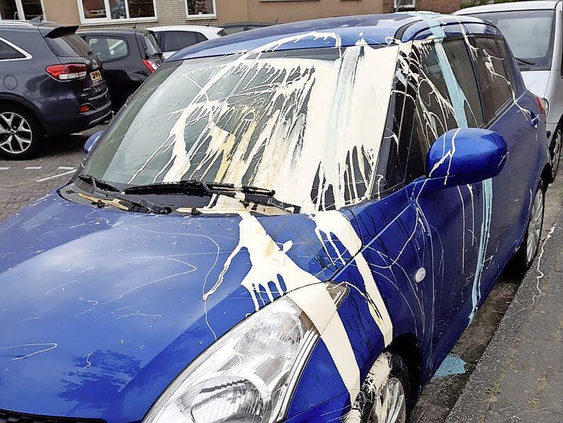 Auto's met verf beklad in Noordwijk, 'daders op camerabeelden vastgelegd'