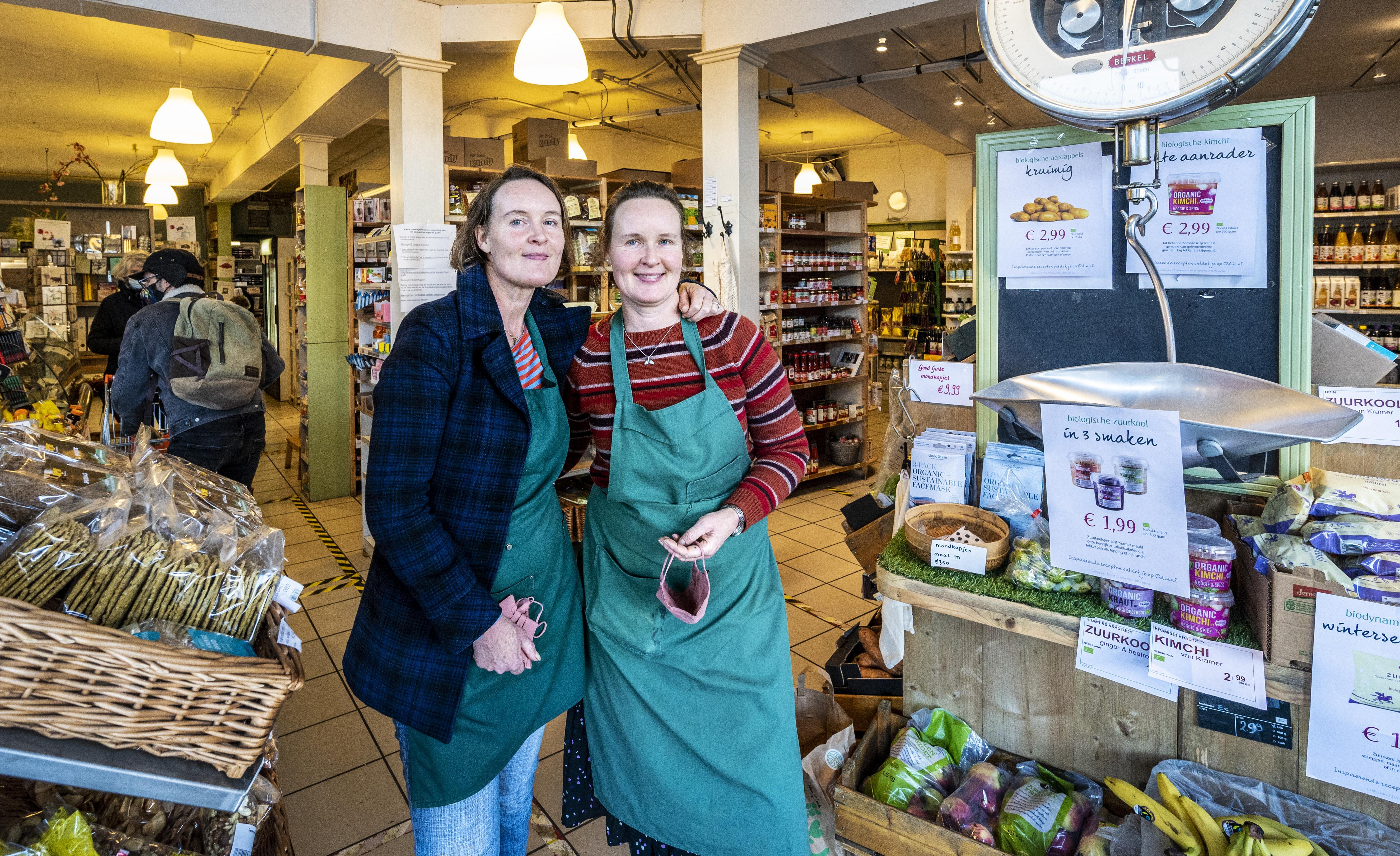 Haarlemse tweelingzussen zijn na twintig jaar klaar met natuurvoedingswinkel De Groene Juffers