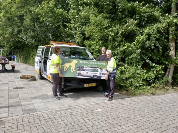 Dierenambulance West-Friesland hervat werkzaamheden, initiatiefnemer durft het weer aan na eerste coronaprik