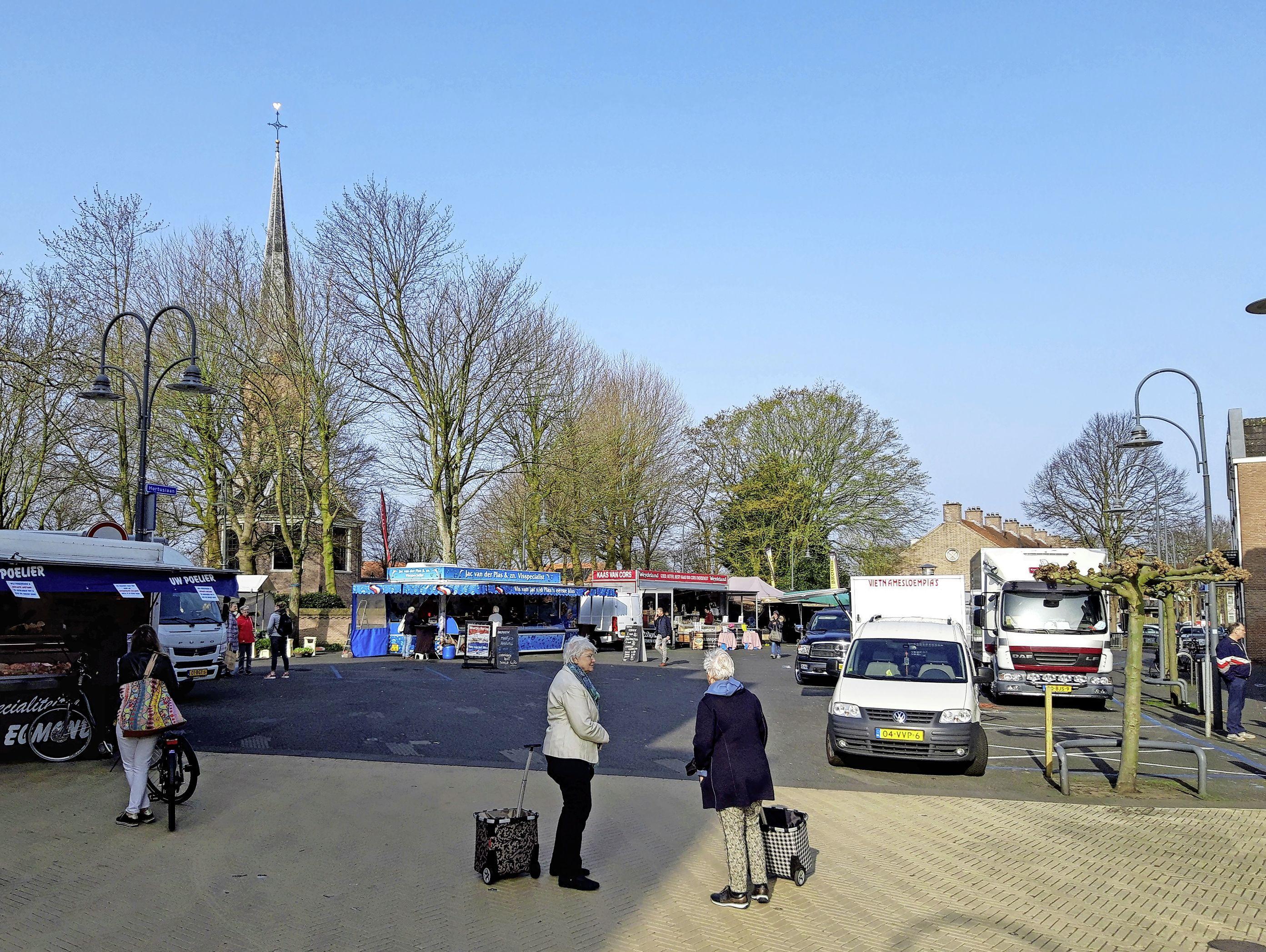 Toch parkeergarage onder Hortusplein, Kerplein Sassenheim wordt autovrij