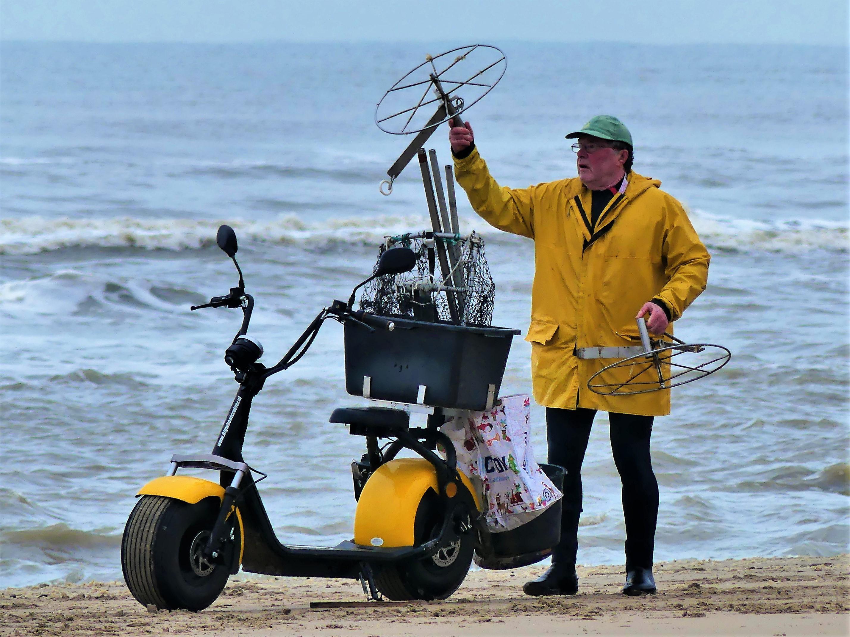 Bekendste garnalenvisser van Katwijk gaat met zijn tijd mee