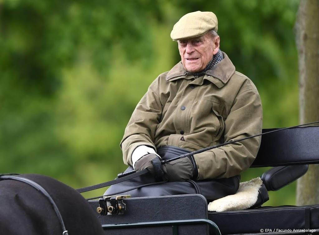 Prins Philip blijft komende week nog in het ziekenhuis