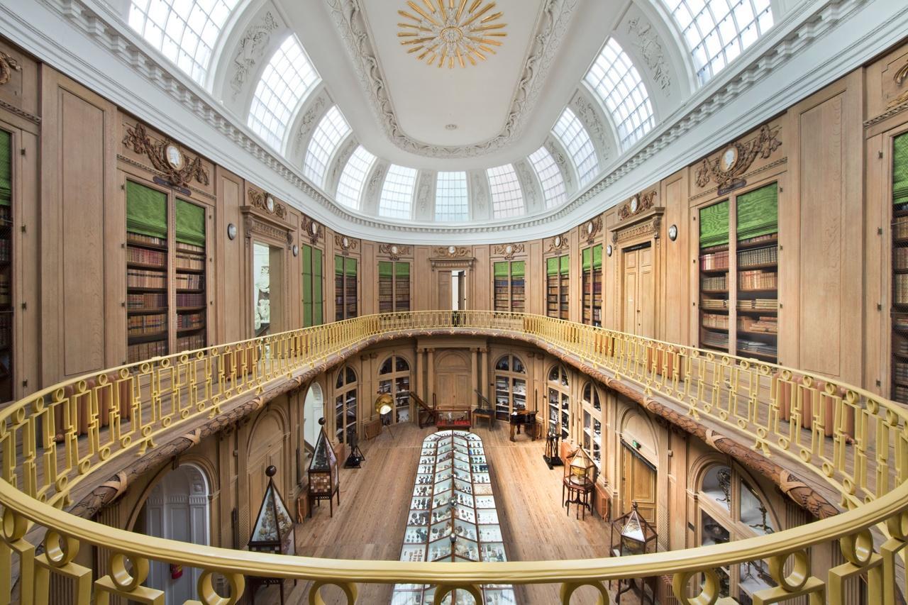 Teylers Museum in Haarlem werkt internationaal samen met andere oude musea. Uitwisseling van informatie over tentoonstellingen en collecties