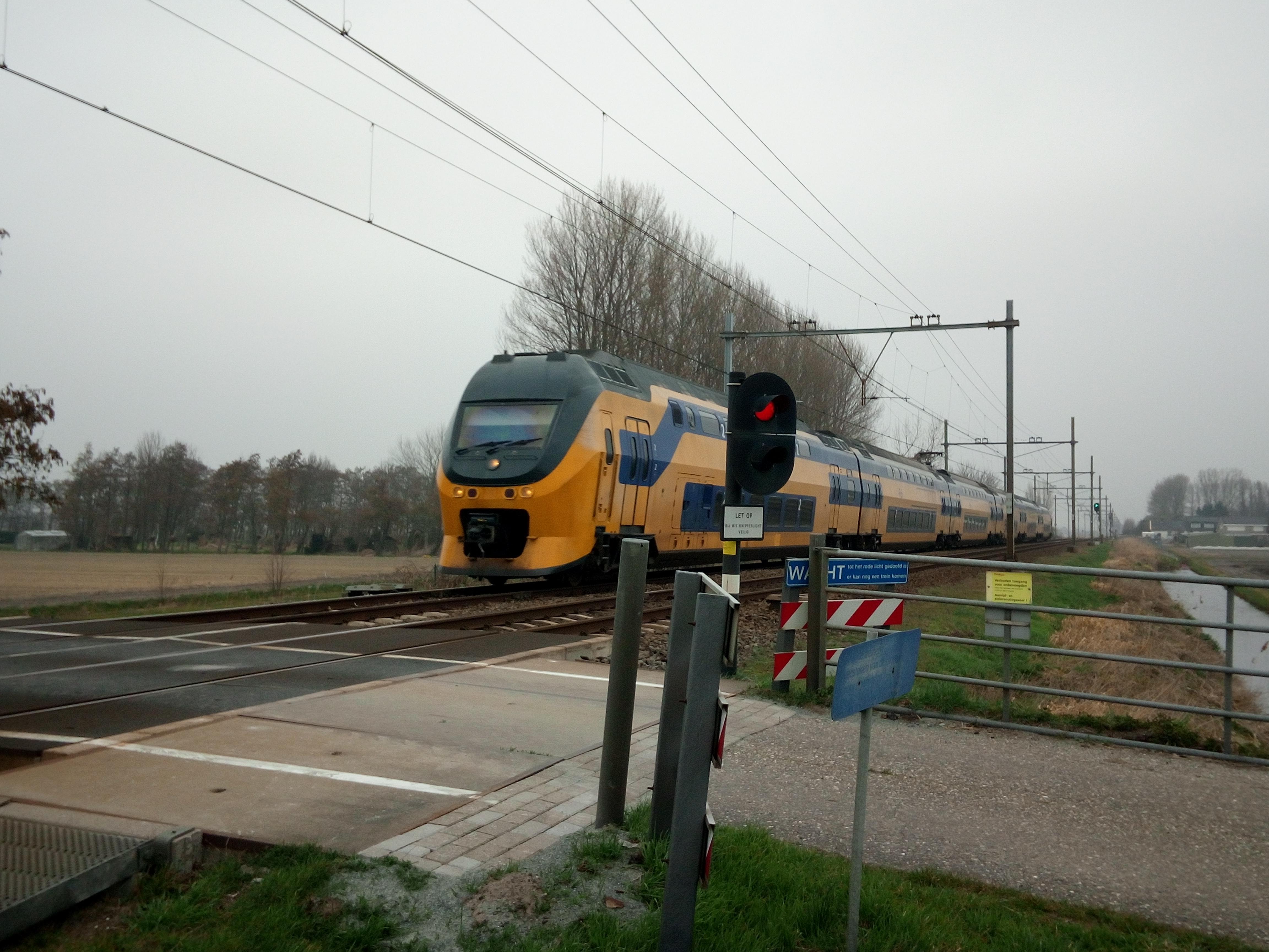 Onbewaakte spoorpassages Bollenstreek moeten binnen vijf jaar dicht, maar dat kost veel geld