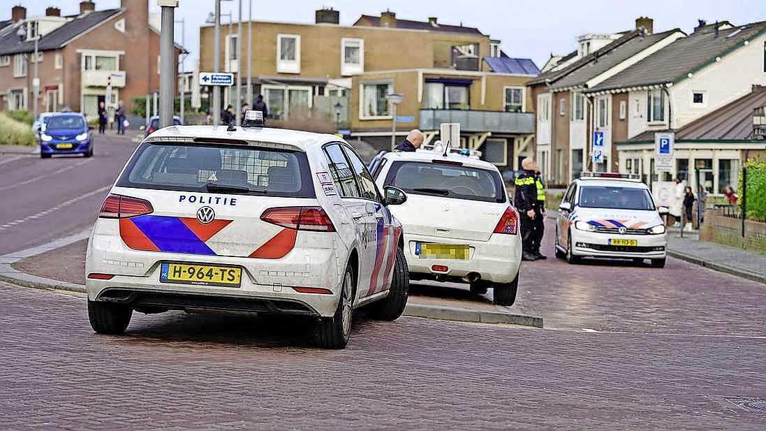Een burgernetmelding en grote zoekactie in Egmond aan Zee leverden niks op, maar uiteindelijk is hij toch gepakt: 36-jarige man aangehouden na geweldpleging