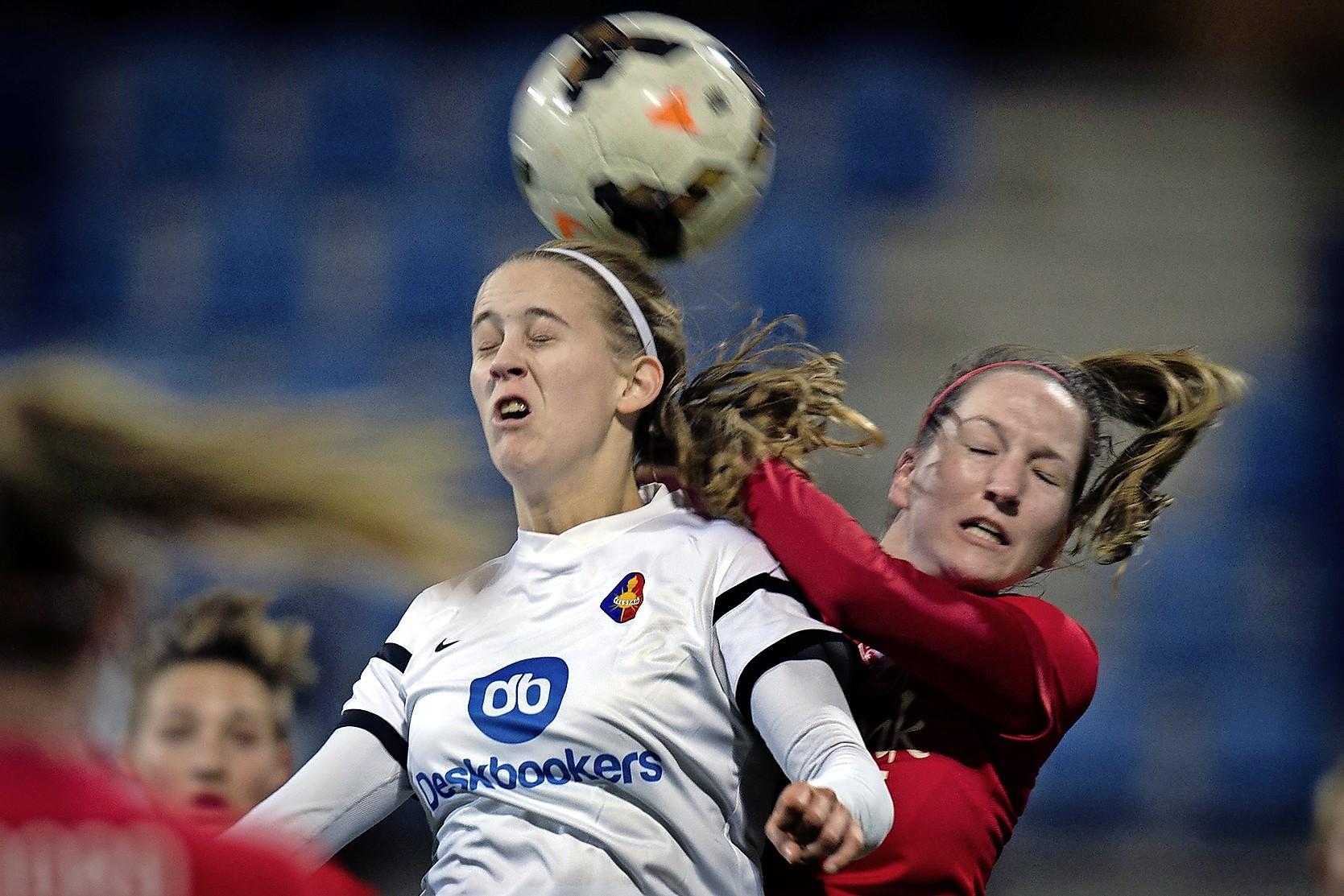 Katja Snoeijs is met PSV op weg naar eerste landstitel, al zit ze voorlopig bij haar ouders thuis: 'Fijn dat ik hier mensen om me heen heb'