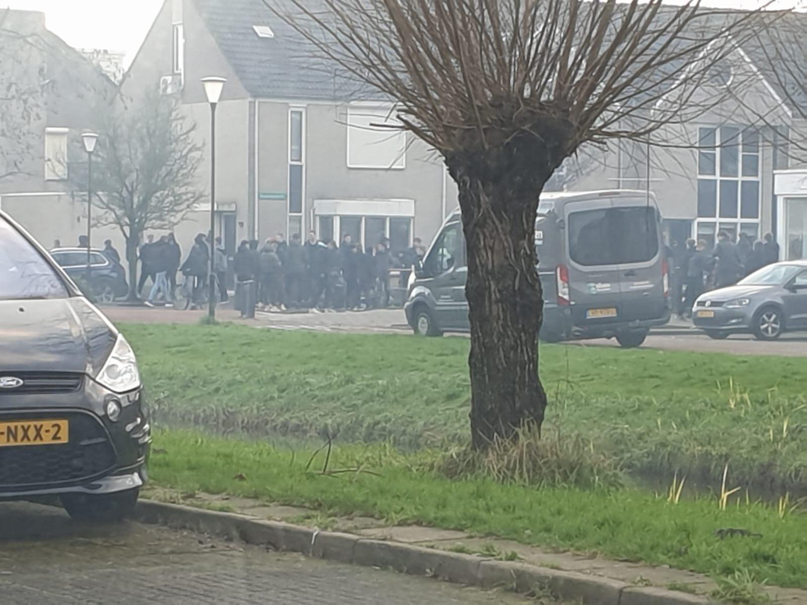 Cafébaas Cliff van Noorden over onrust in Volendam: 'Het is simpelweg een gebrek aan respect en opvoeding'
