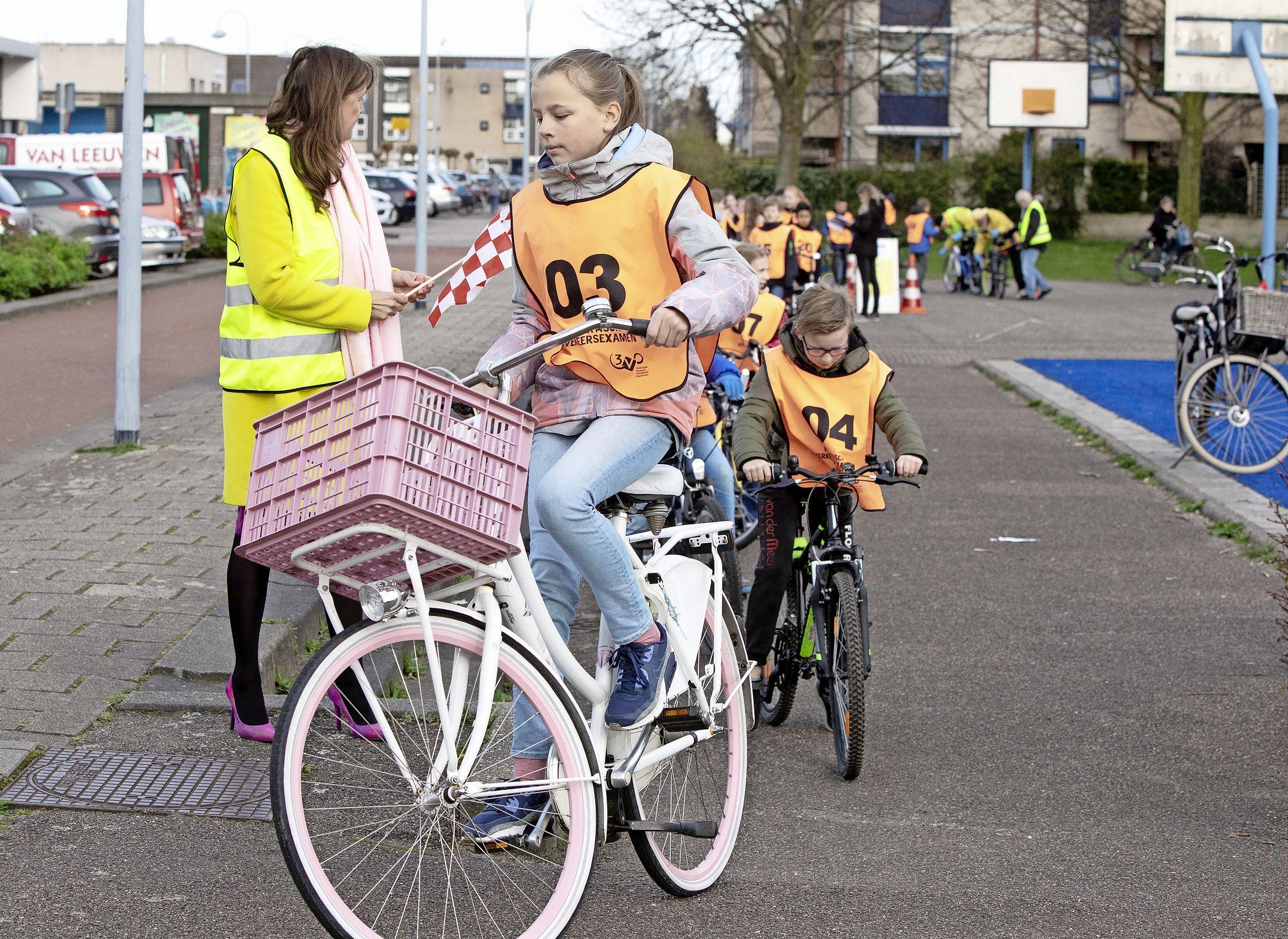 Verkeersexamen voor ruim 3300 scholieren van 52 scholen in Haarlemmermeer