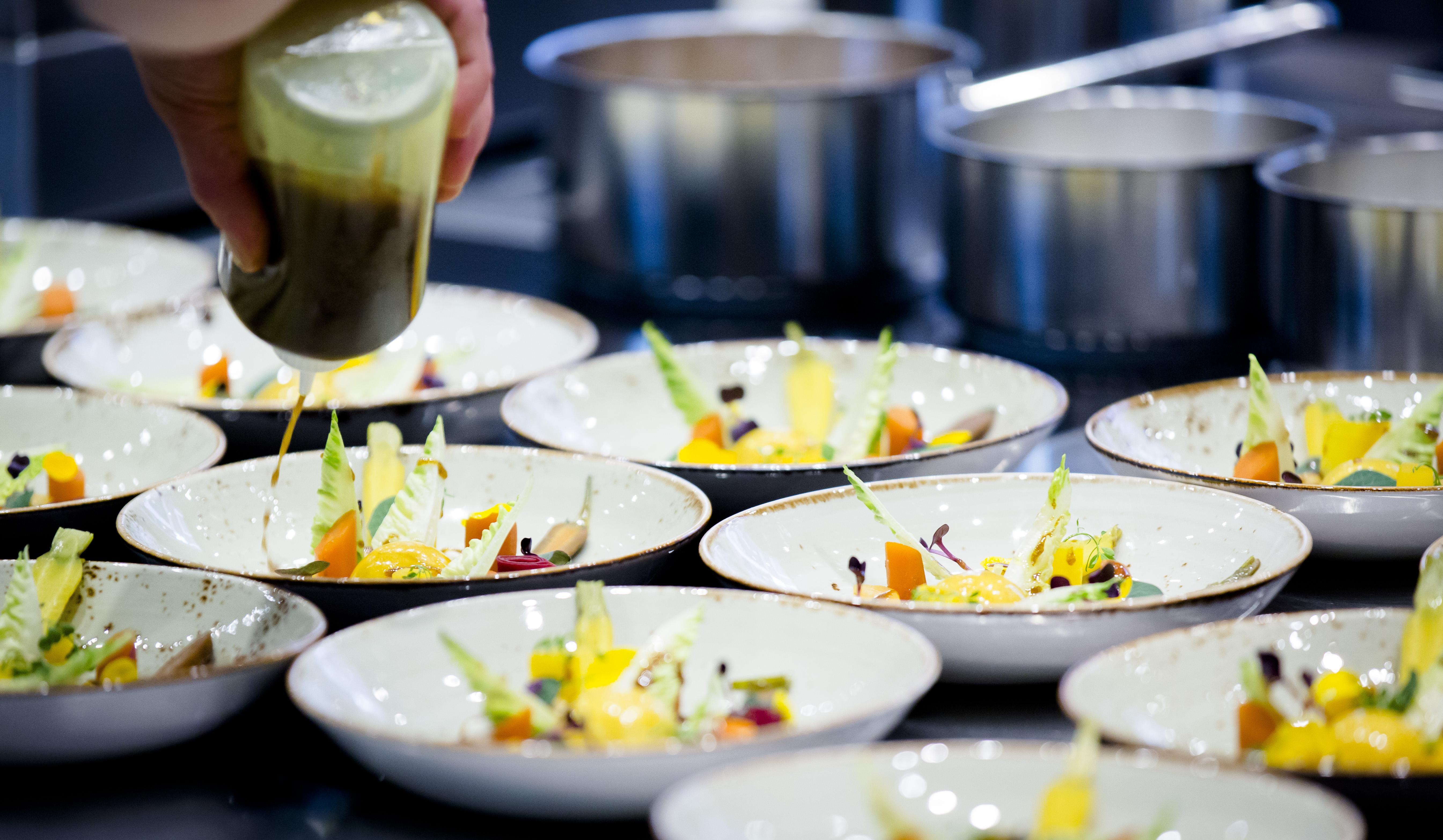Heerlijk om te zien: Limburgse wraak op corona-gemopper van restaurantgasten [column]