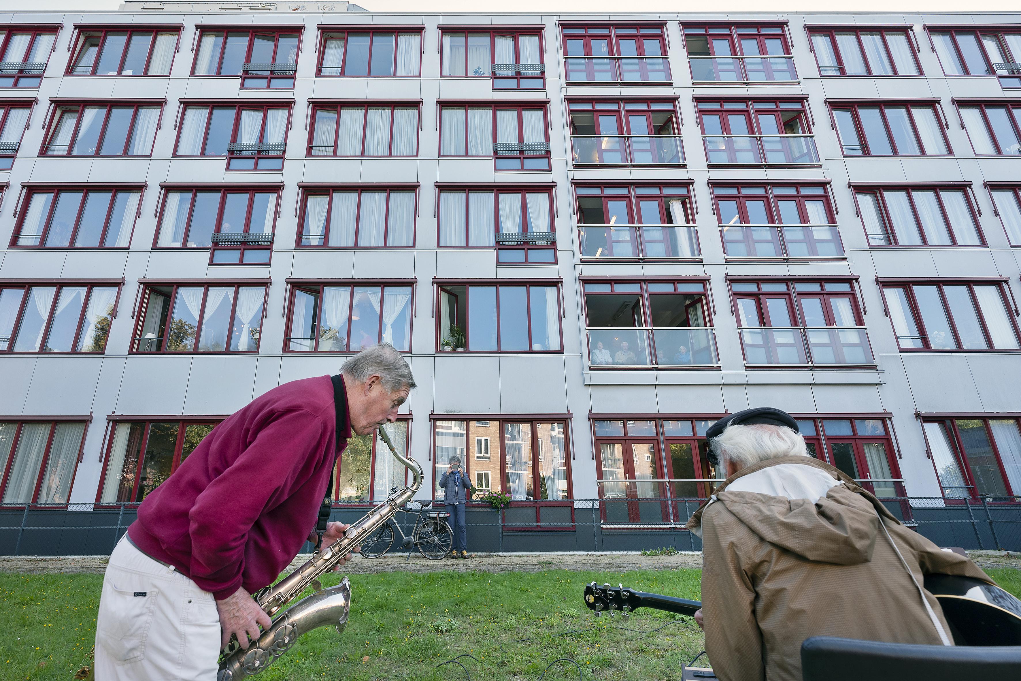 Geen circus, maar muziek voor bewoners Schoterhof op Wereld Alzheimer Dag