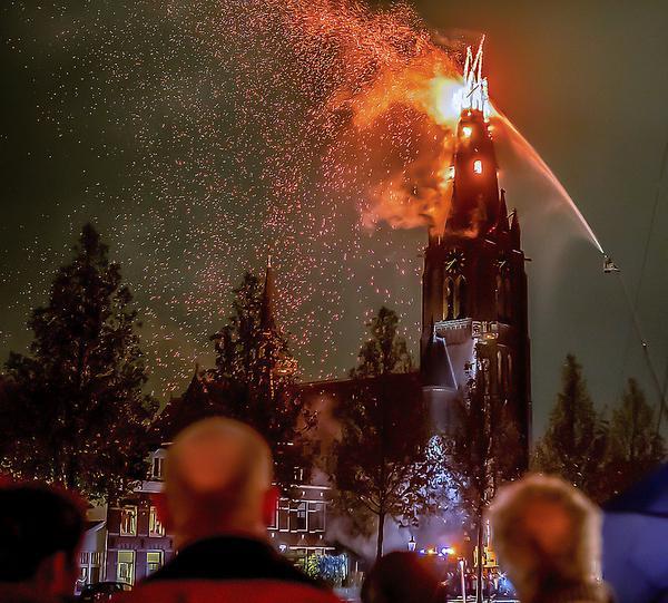 Weesp geschokt na torenbrand