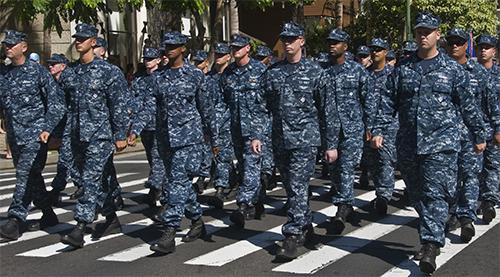 Camo-pak laat marinemensen met een vlekje op het hemd lopen