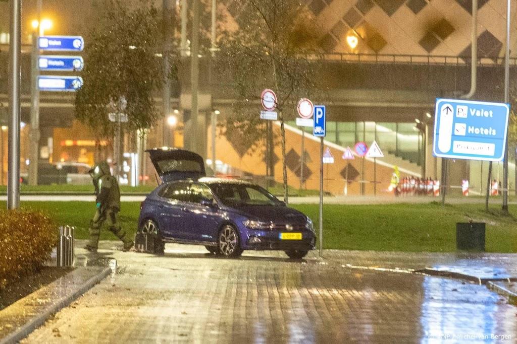 Aanhoudingen na vondst explosief materiaal in auto Schiphol