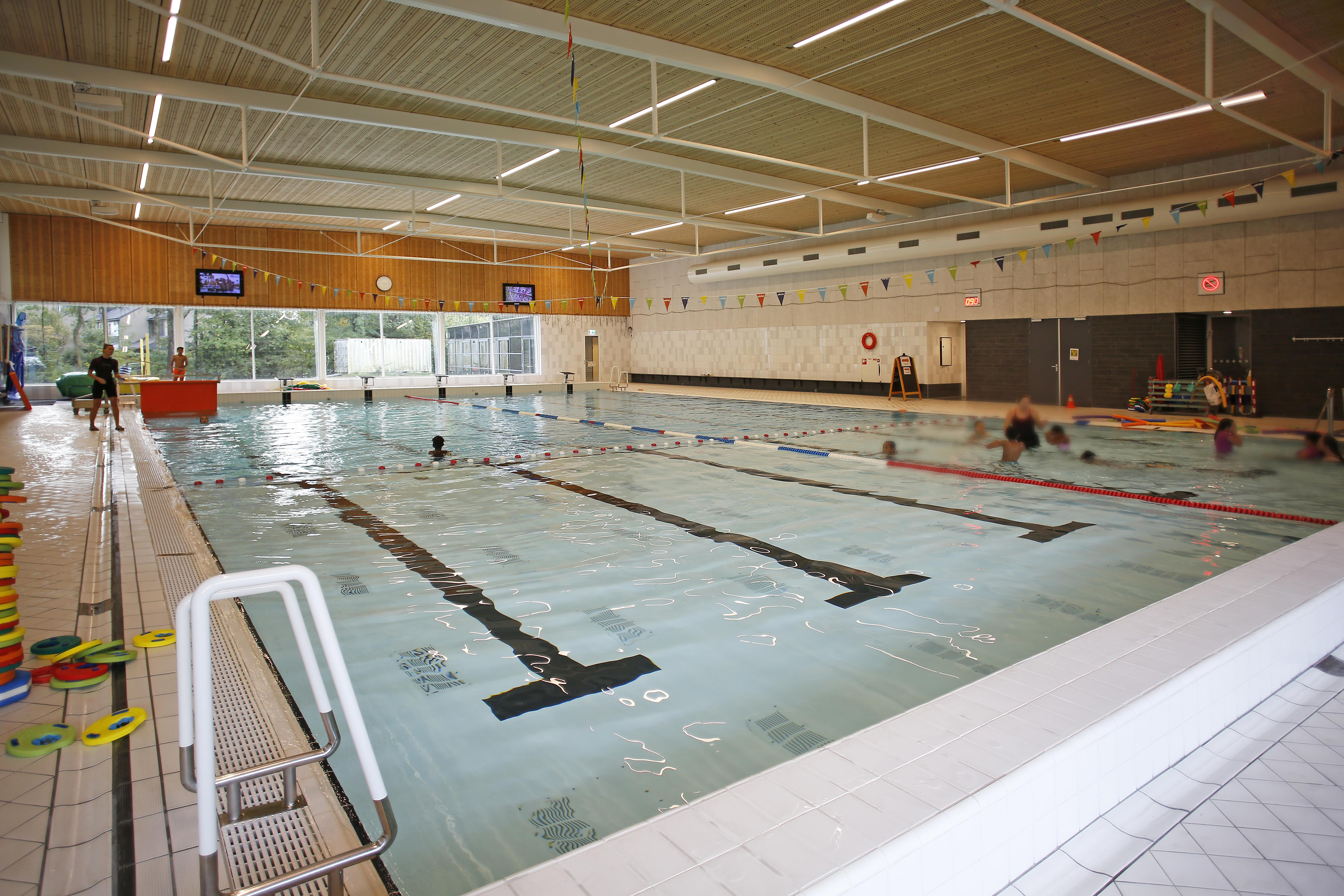 Laren hoopt coronaschade zwembad De Biezem te kunnen delen met Blaricum en Eemnes
