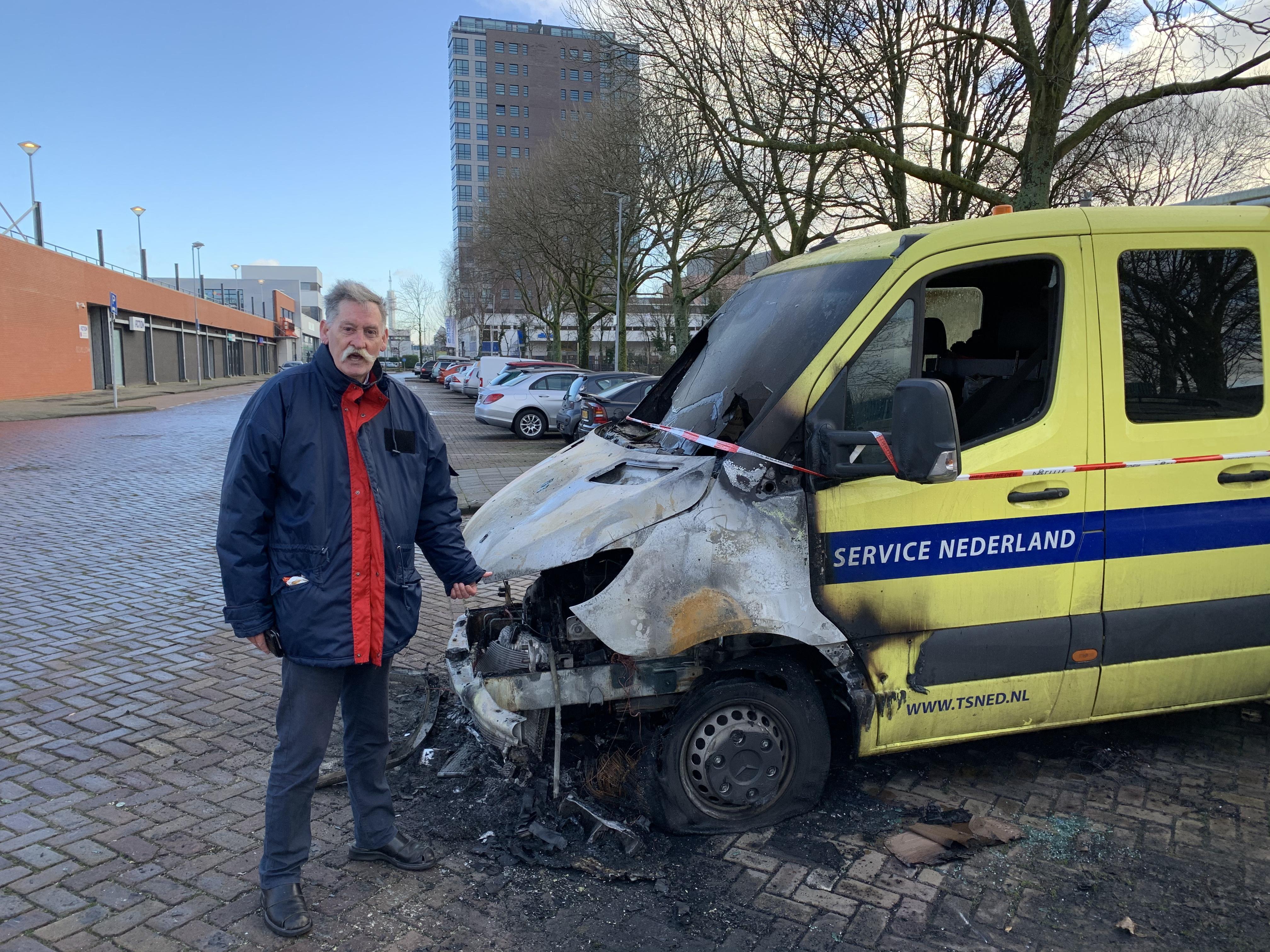 Dealen en straatraces in de Werfstraat in Haarlem, dan kunnen autobranden er ook nog wel bij