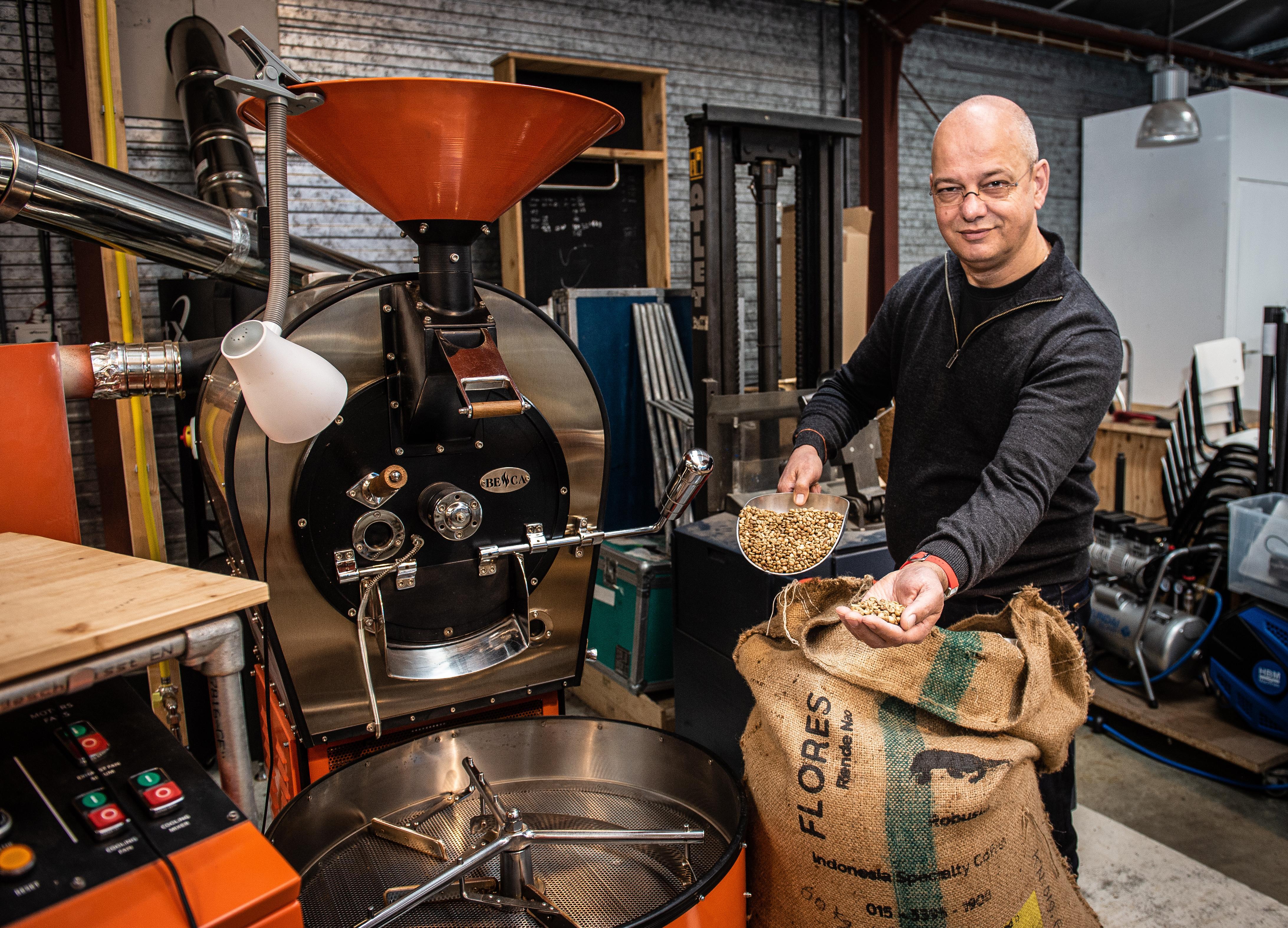(H)eerlijk bakkie koffie. Hoofddorpse koffiebrander Dave van Eif: 'Ik wil verder gaan dan fairtrade'