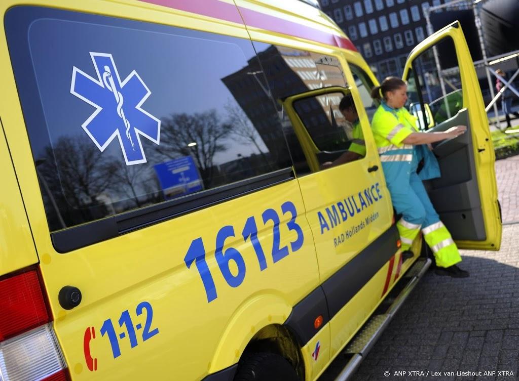 Kind (2) vermoedelijk geraakt door verdwaalde kogel in Amsterdam