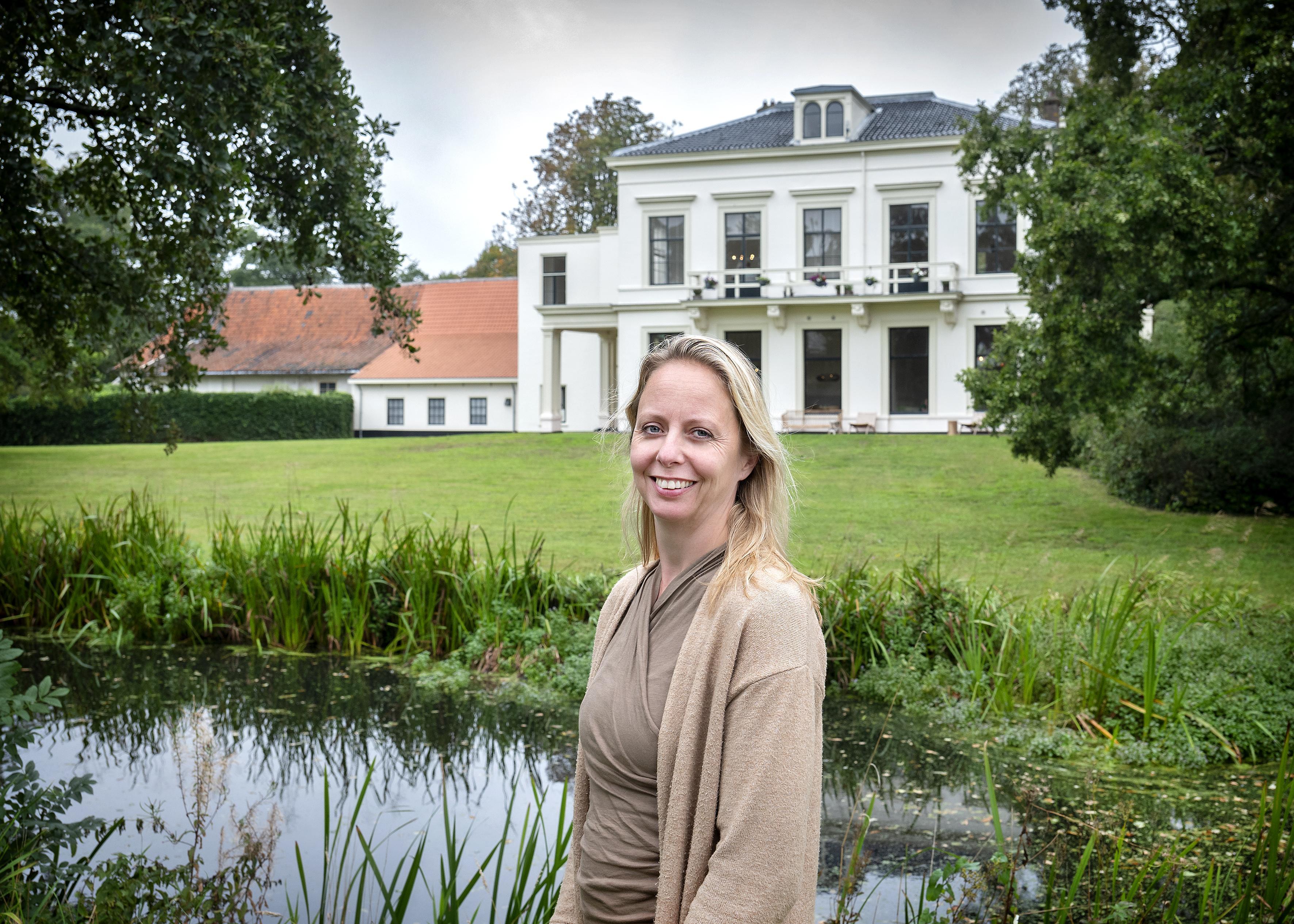 Monumentaal pand op landgoed Vogelenzang opent deuren voor rustzoekers. 'Thuiskomen doe je bij Oohm'