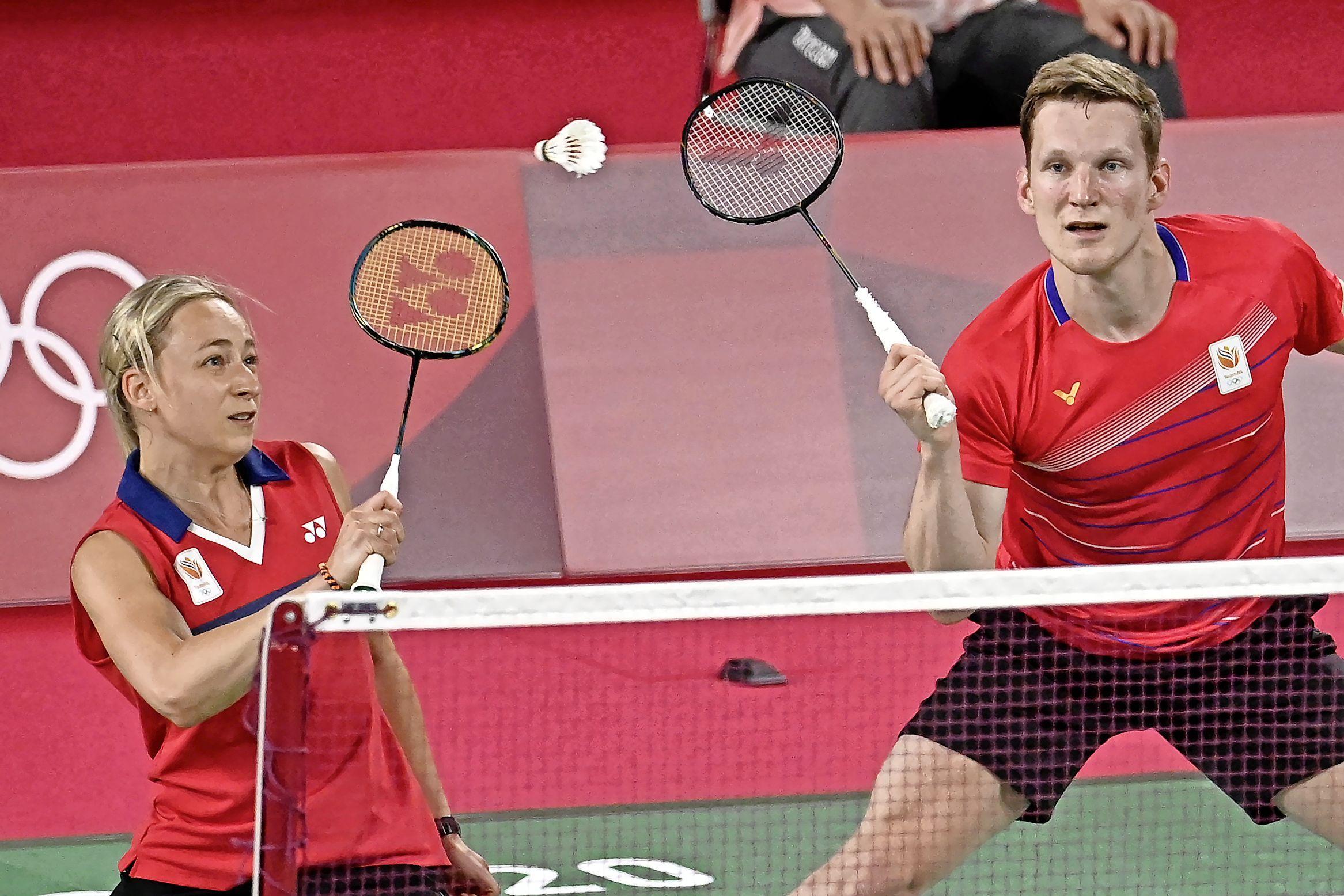 Badmintonster Selena Piek uit Weesp verliest eerste gemengde dubbel op Spelen