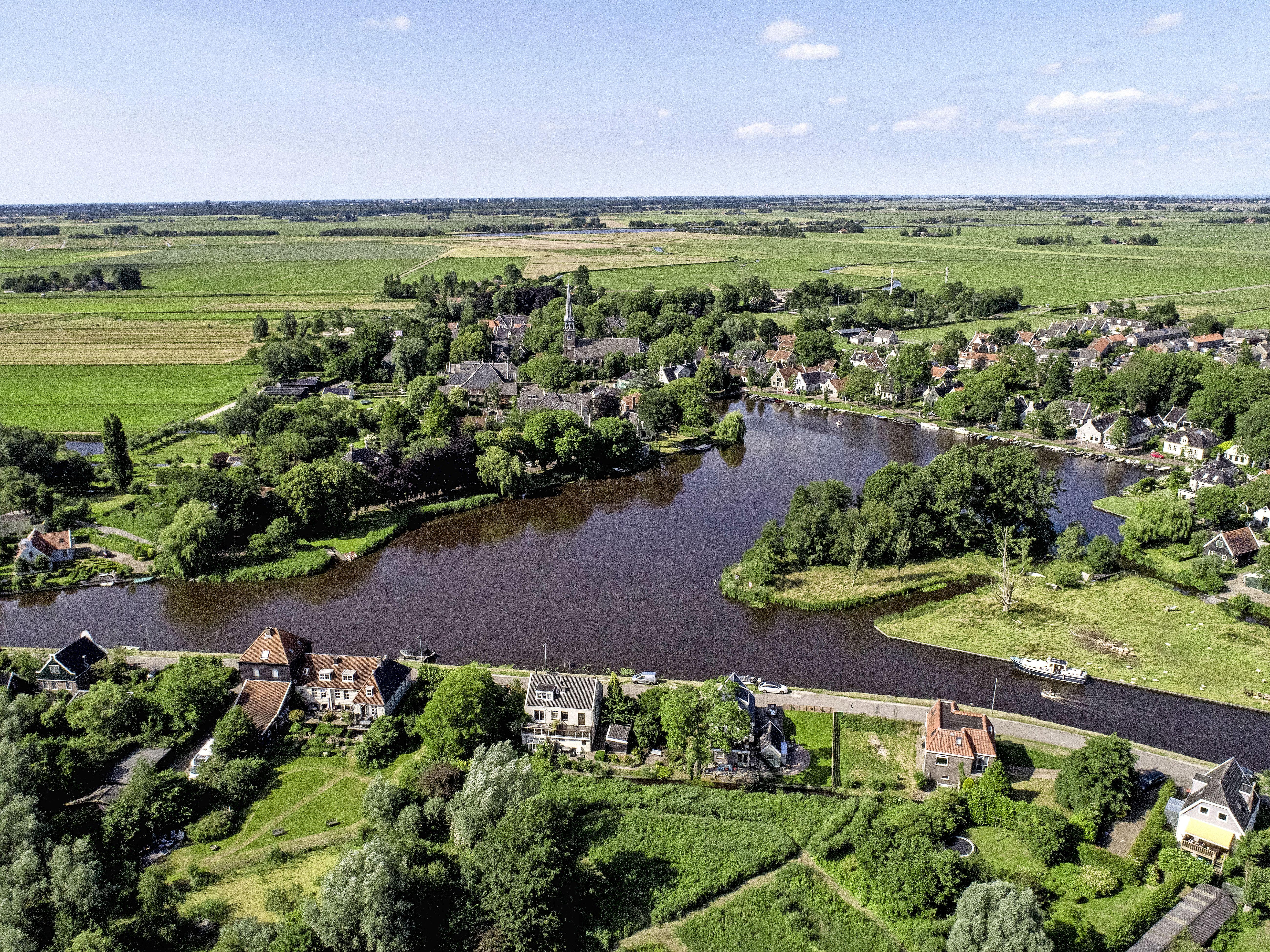 Het openluchtmuseum Broek in Waterland veryupt al jaren, maar dat heeft ook zo z'n voordelen. 'Dat zijn mensen die geld hebben voor onderhoud' [Column Onderweg]