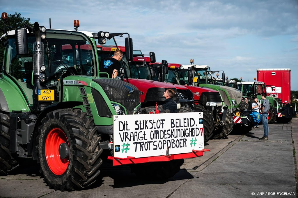 Enkele tientallen tractoren van A12 bij Utrecht gehaald