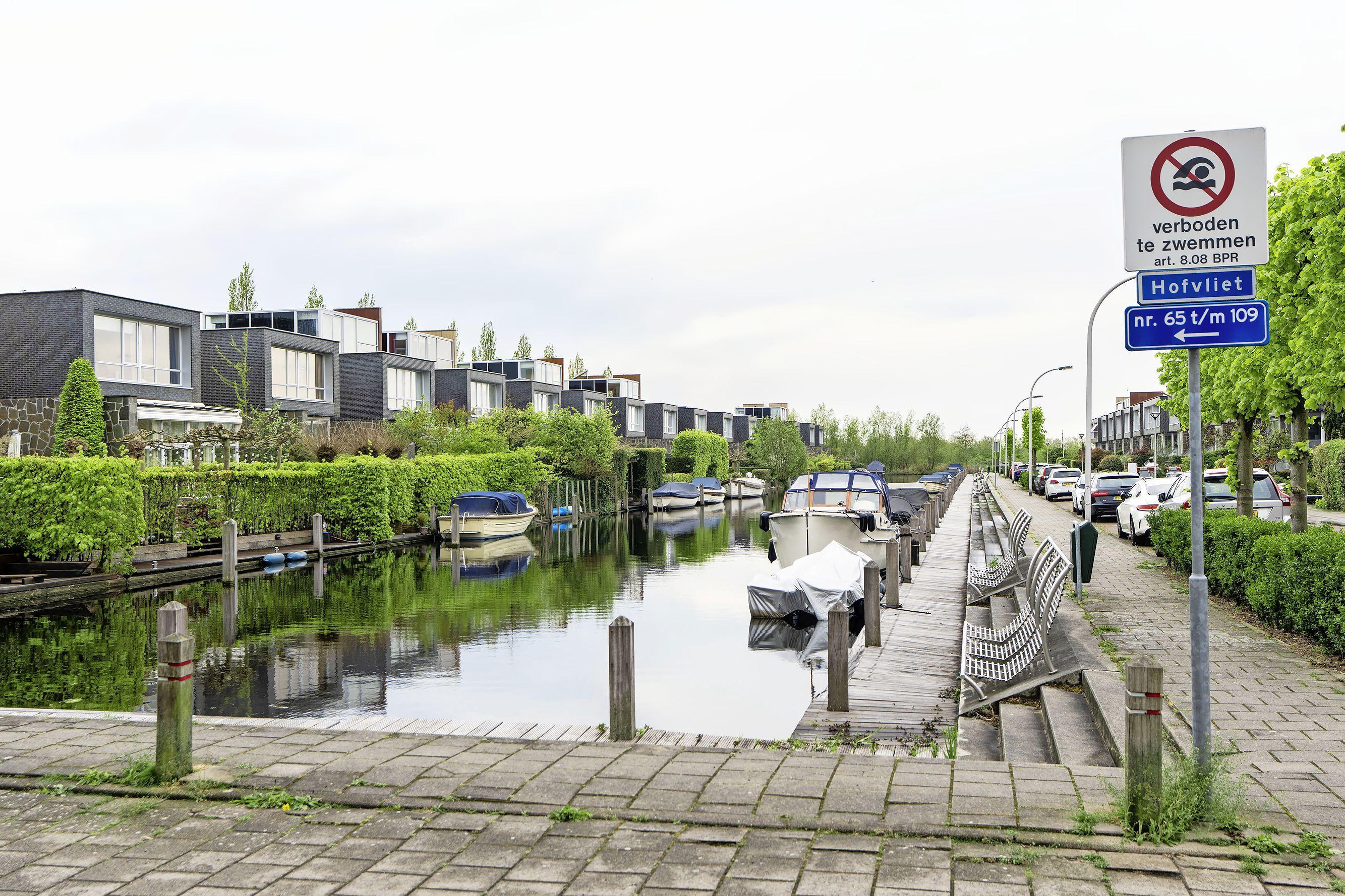 D66 Voorschoten: zwemmen in de Hofvliethaven moet kunnen